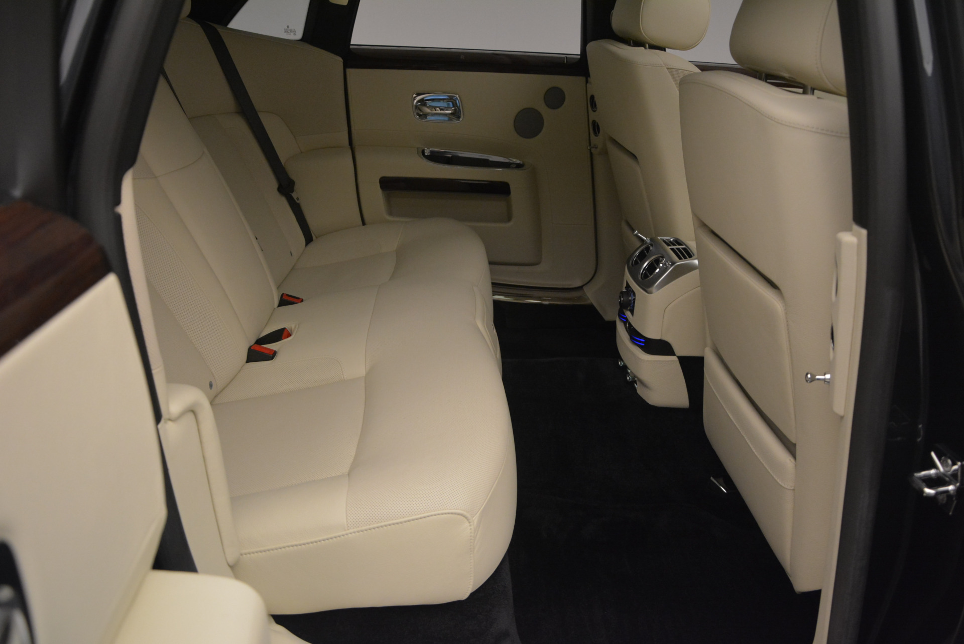 Used 2013 Rolls-Royce Ghost  For Sale In Greenwich, CT 739_p41