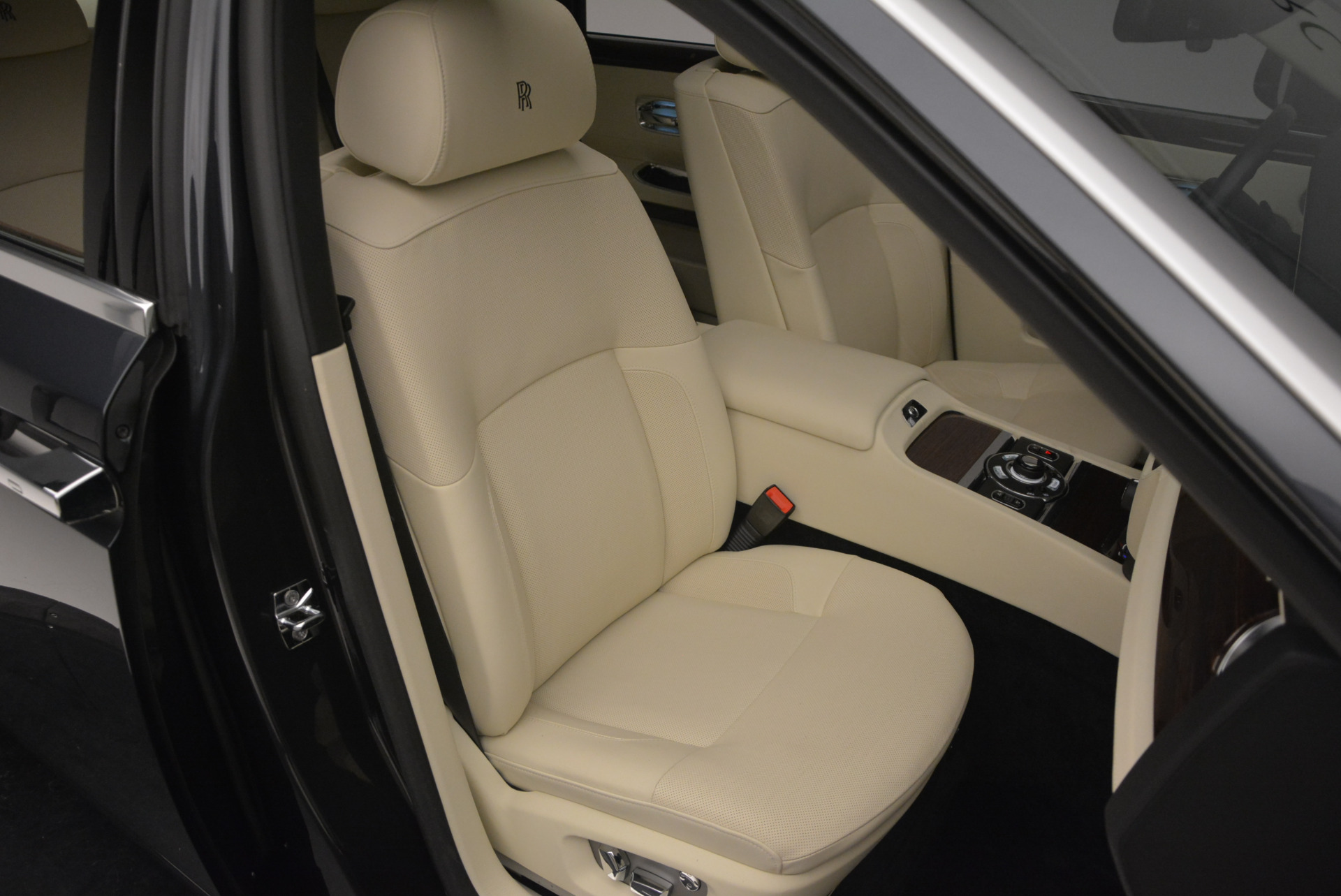 Used 2013 Rolls-Royce Ghost  For Sale In Greenwich, CT 739_p44
