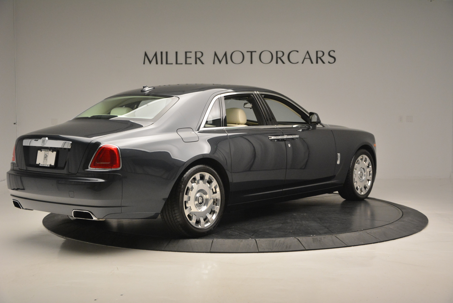 Used 2013 Rolls-Royce Ghost  For Sale In Greenwich, CT 739_p9