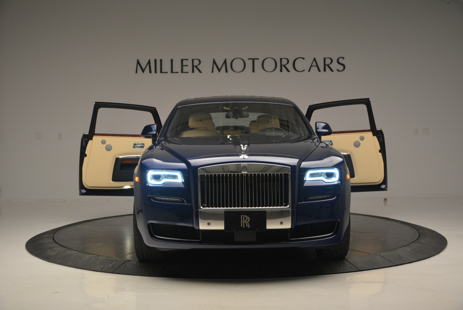 Used 2016 Rolls-Royce Ghost EWB For Sale In Greenwich, CT 746_p13