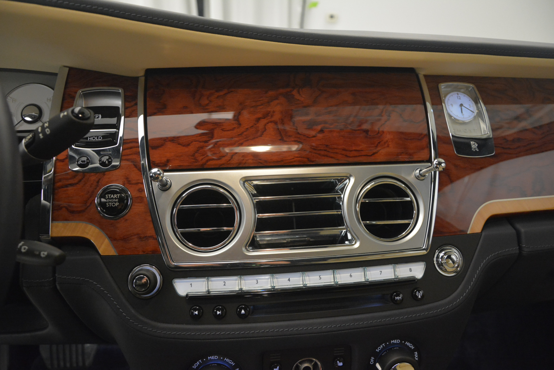 Used 2016 Rolls-Royce Ghost EWB For Sale In Greenwich, CT 746_p22
