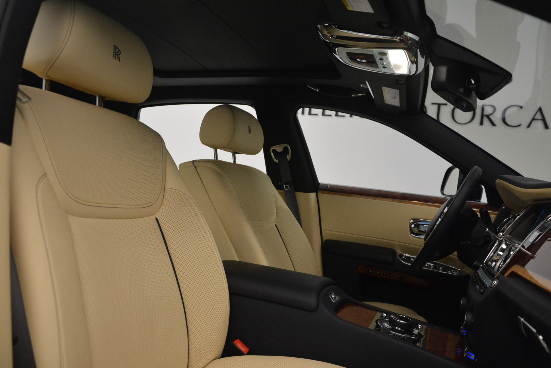 Used 2016 Rolls-Royce Ghost EWB For Sale In Greenwich, CT 746_p34