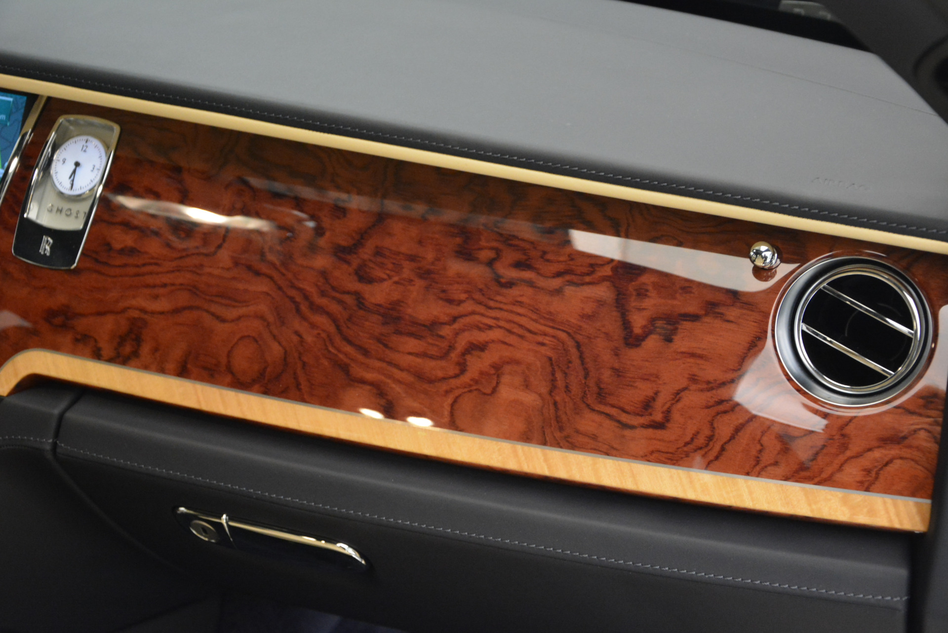 Used 2016 Rolls-Royce Ghost EWB For Sale In Greenwich, CT 746_p35