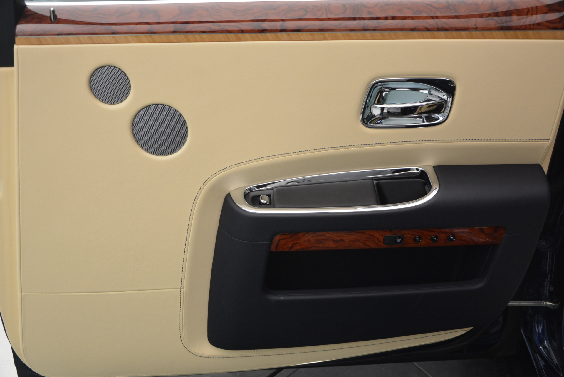 Used 2016 Rolls-Royce Ghost EWB For Sale In Greenwich, CT 746_p36