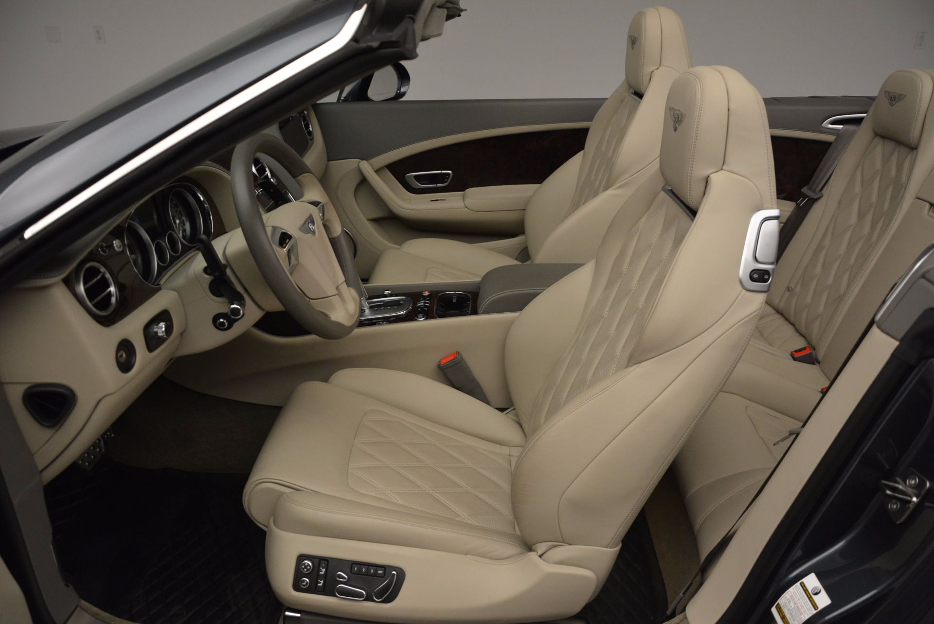 Used 2014 Bentley Continental GT V8 For Sale In Greenwich, CT 753_p37