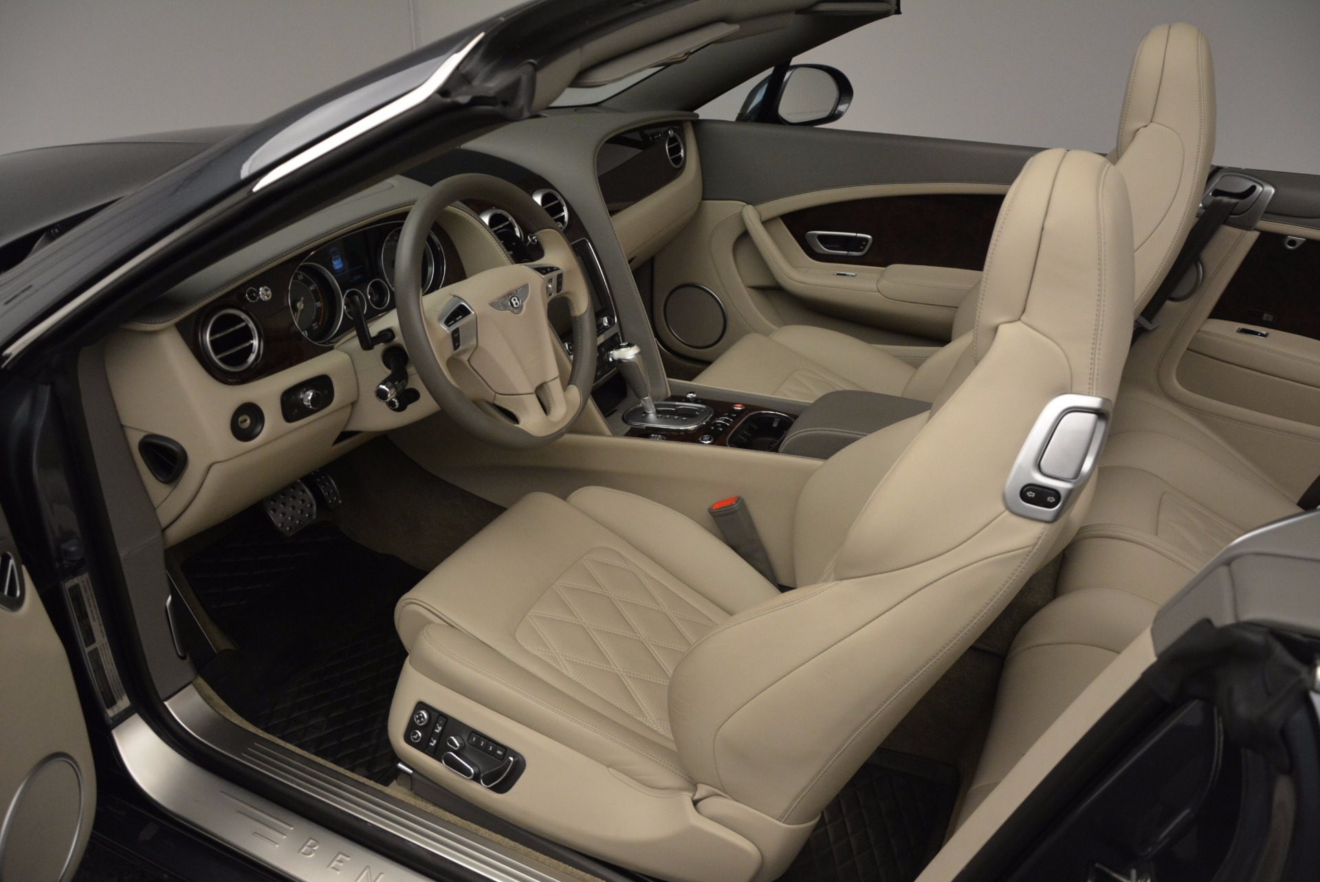 Used 2014 Bentley Continental GT V8 For Sale In Greenwich, CT 753_p38