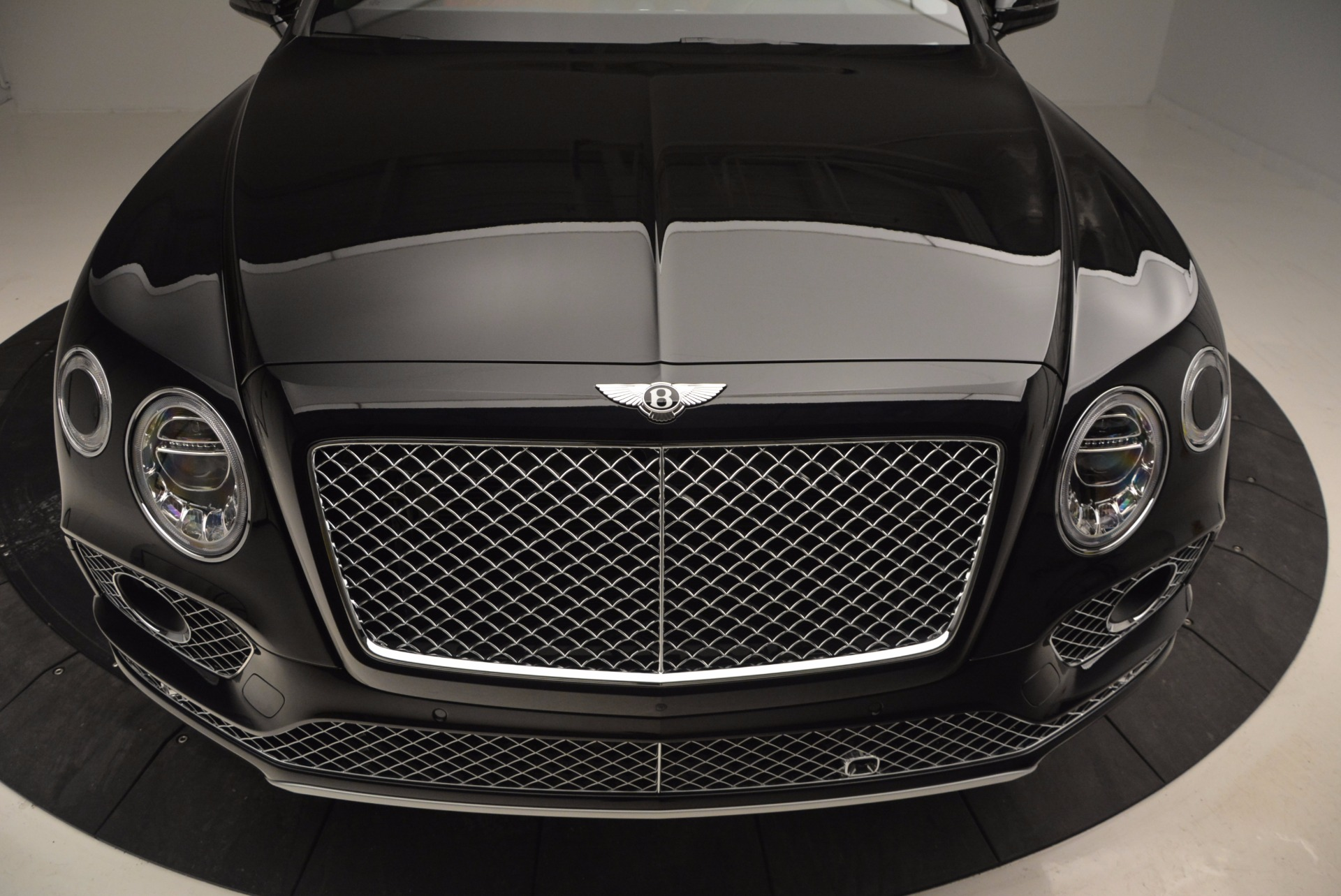 New 2017 Bentley Bentayga  For Sale In Greenwich, CT 756_p13