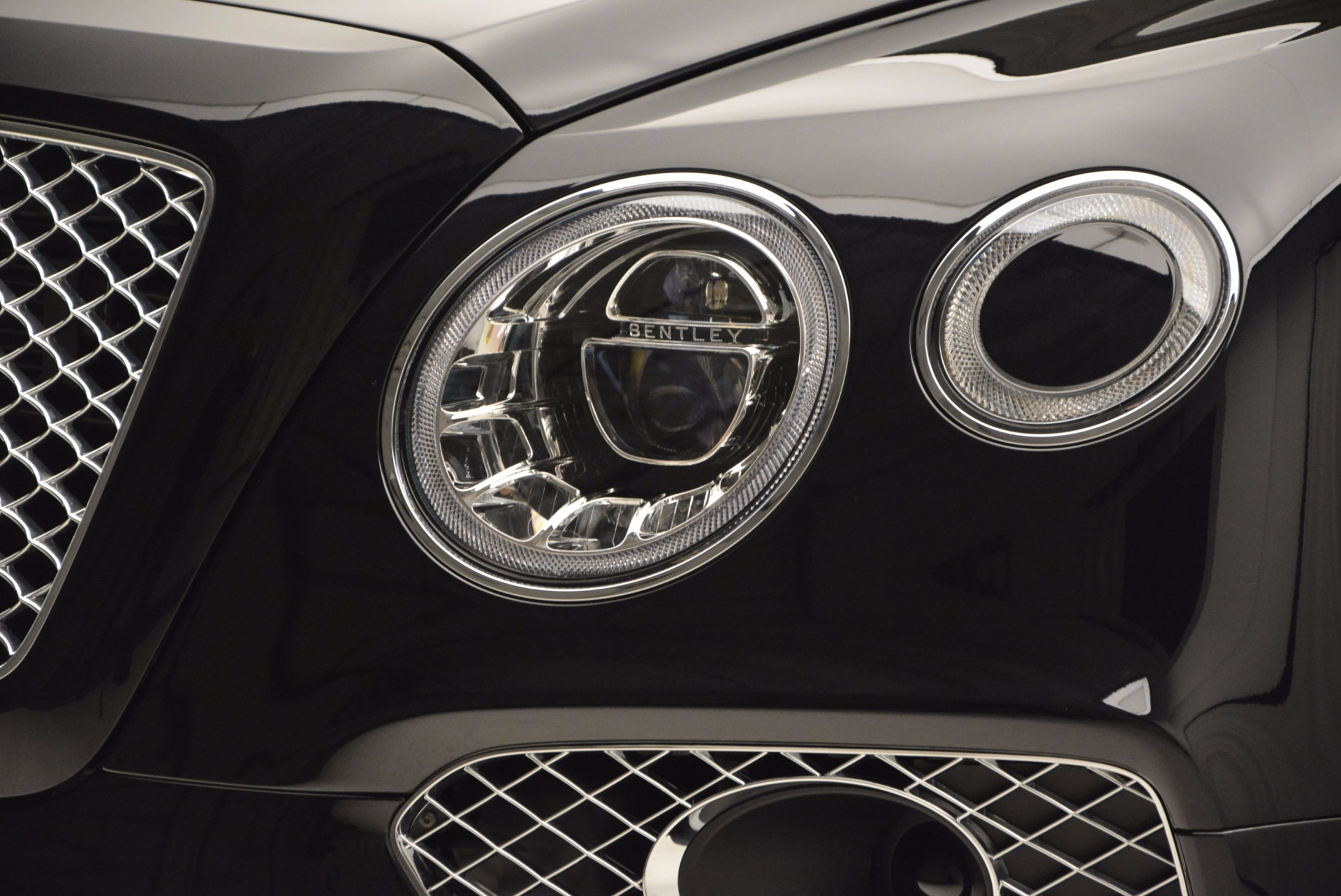New 2017 Bentley Bentayga  For Sale In Greenwich, CT 756_p15
