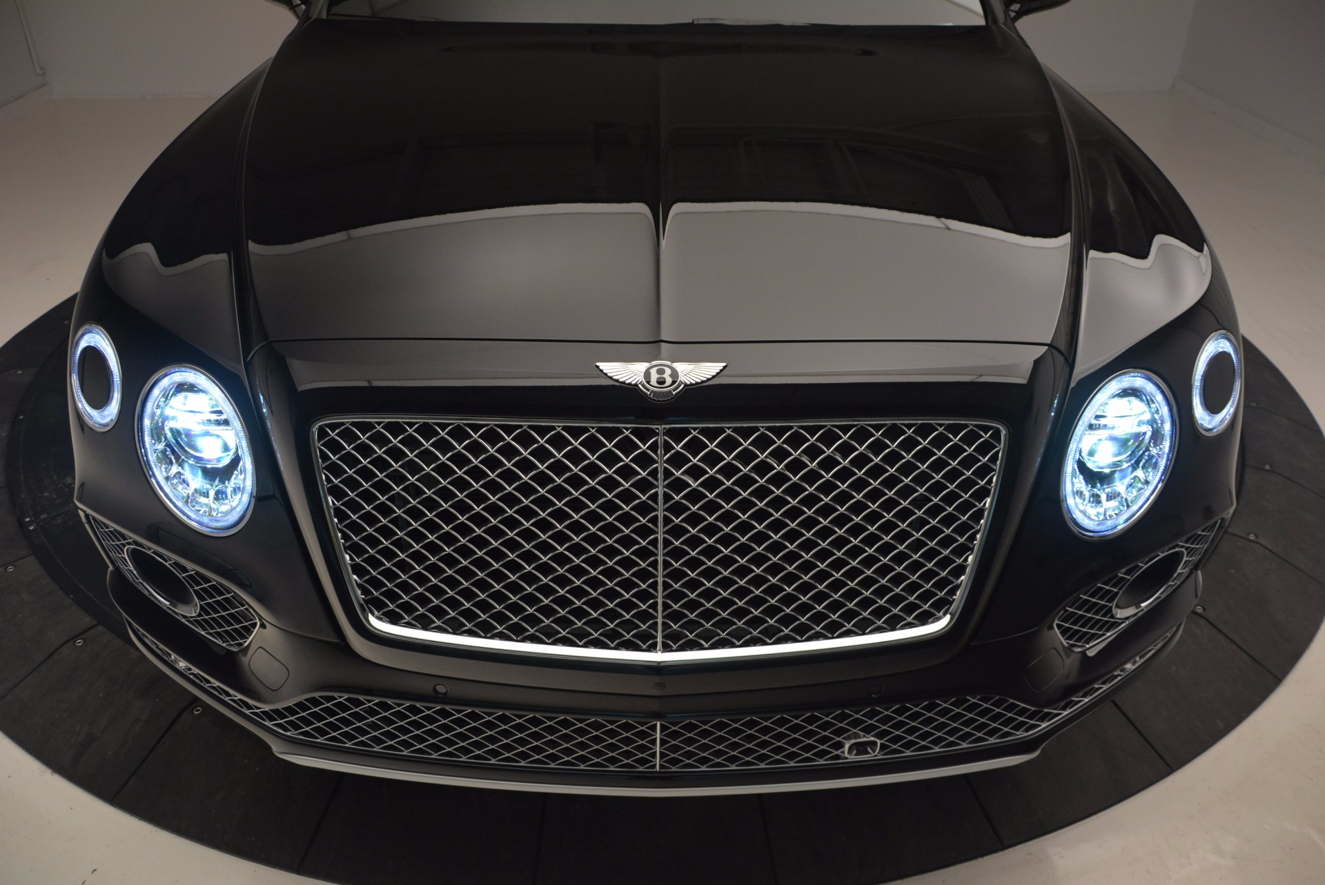 New 2017 Bentley Bentayga  For Sale In Greenwich, CT 756_p16