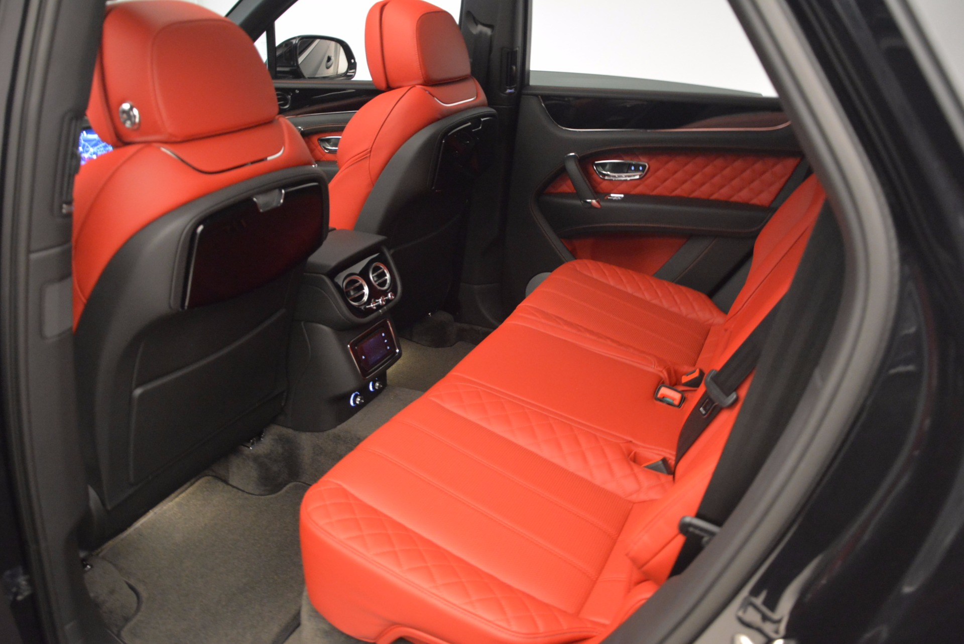 New 2017 Bentley Bentayga  For Sale In Greenwich, CT 756_p35