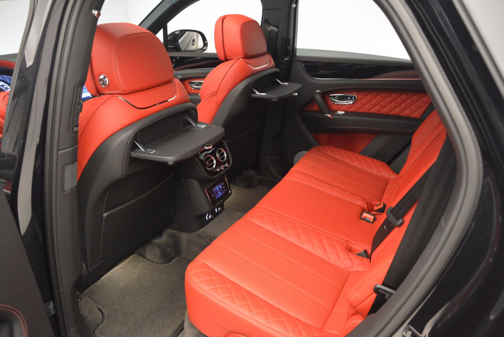 New 2017 Bentley Bentayga  For Sale In Greenwich, CT 756_p36