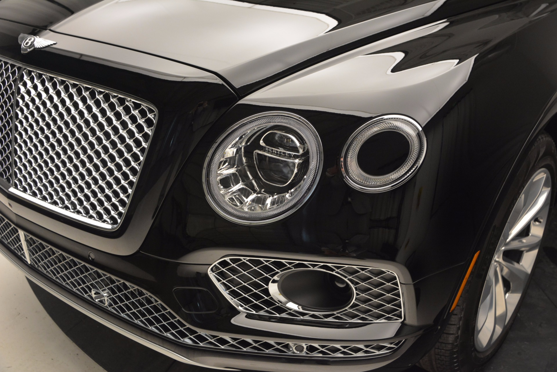 Used 2017 Bentley Bentayga  For Sale In Greenwich, CT 758_p15