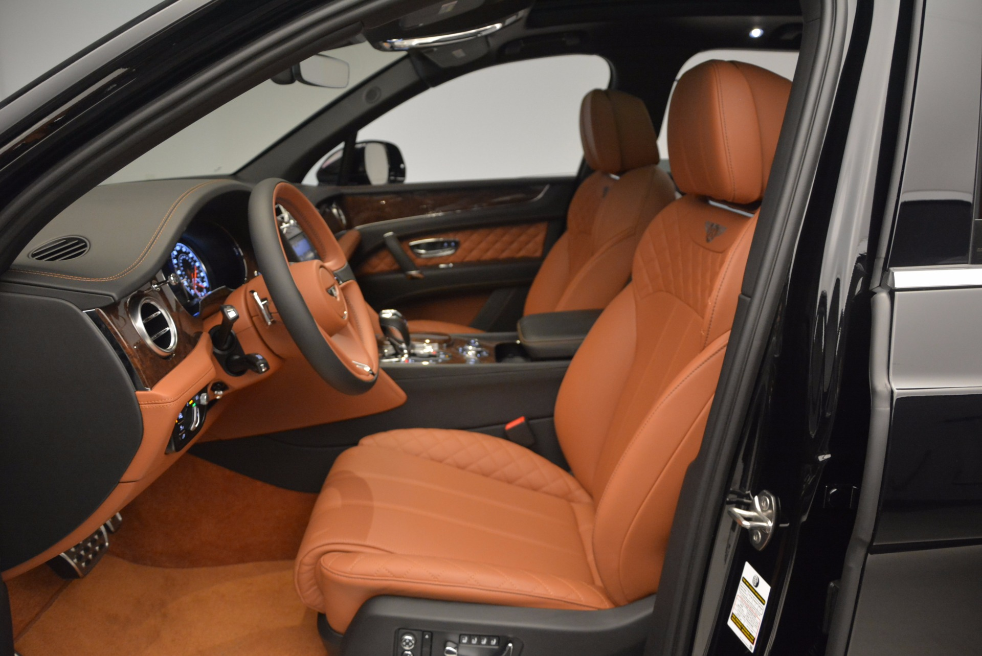 Used 2017 Bentley Bentayga  For Sale In Greenwich, CT 758_p24