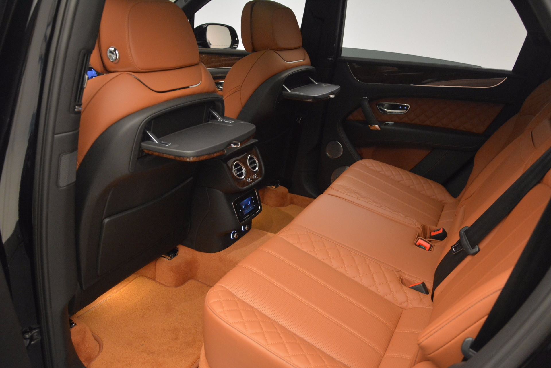 Used 2017 Bentley Bentayga  For Sale In Greenwich, CT 758_p35