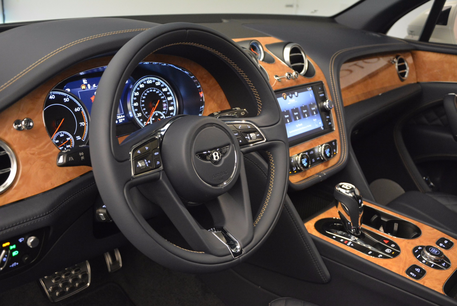 New 2017 Bentley Bentayga  For Sale In Greenwich, CT 794_p27