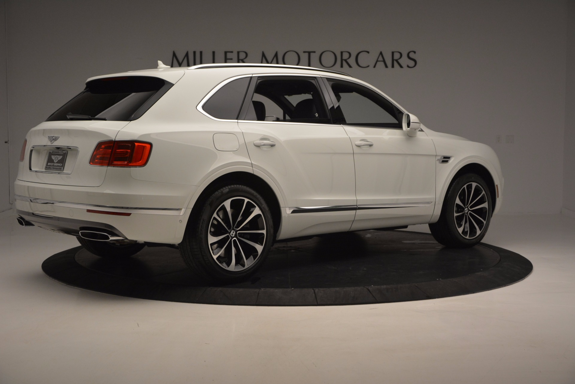 New 2017 Bentley Bentayga  For Sale In Greenwich, CT 794_p8