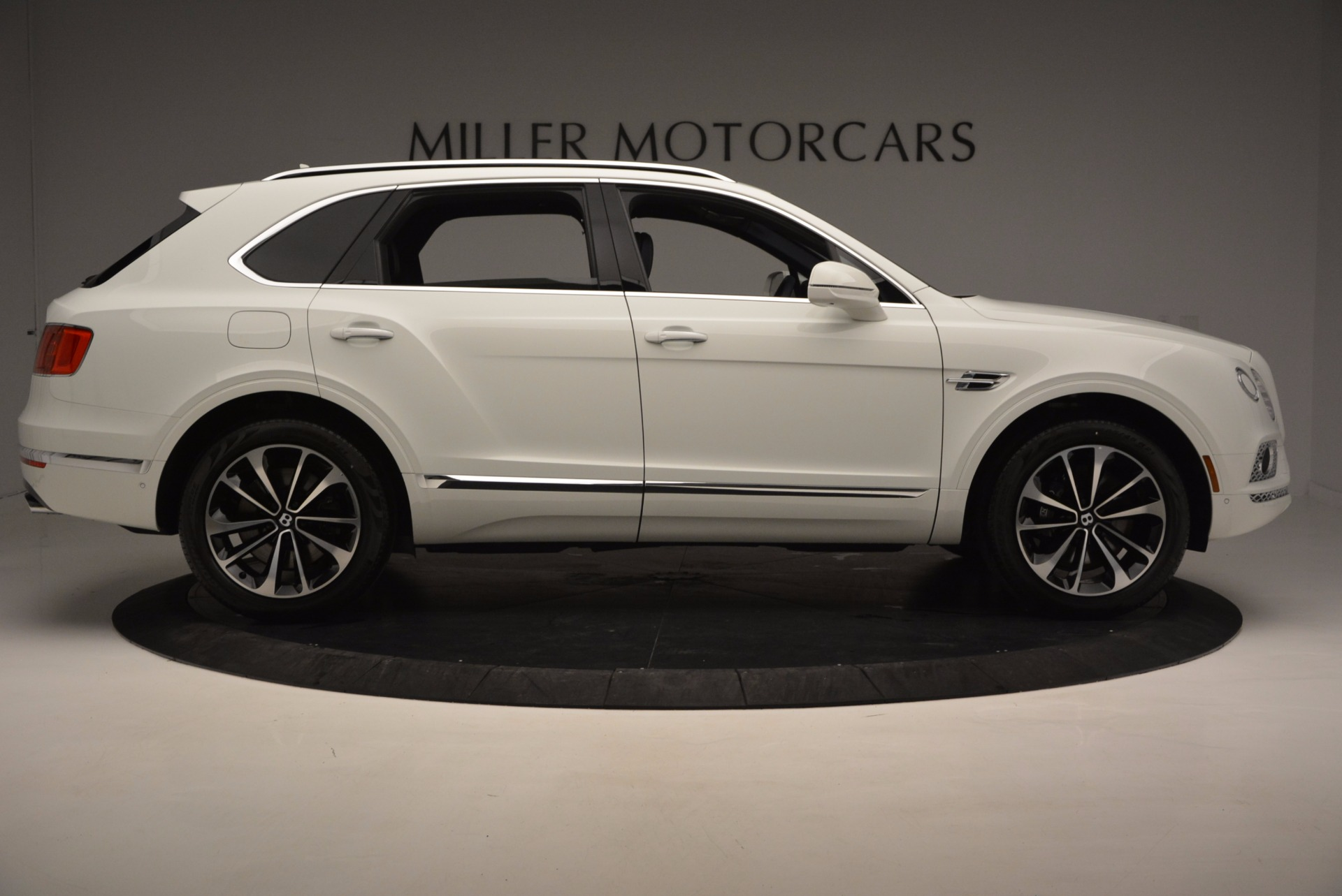 New 2017 Bentley Bentayga  For Sale In Greenwich, CT 794_p9