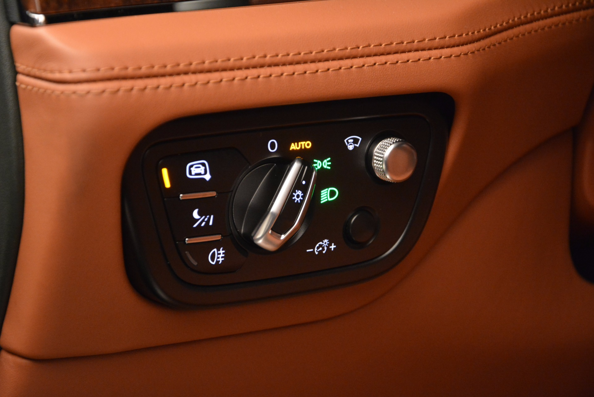 New 2017 Bentley Bentayga  For Sale In Greenwich, CT 796_p31