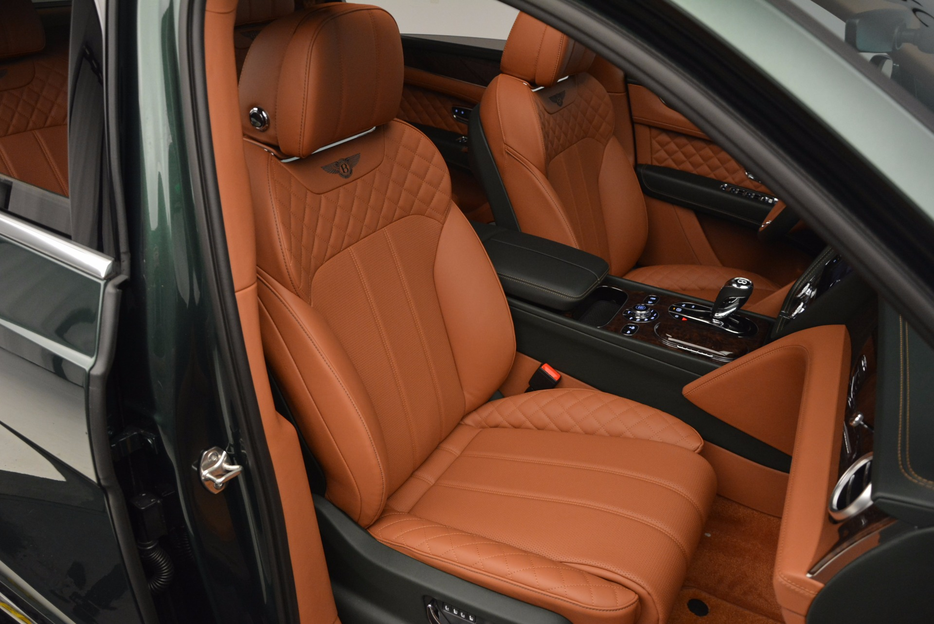 New 2017 Bentley Bentayga  For Sale In Greenwich, CT 796_p40