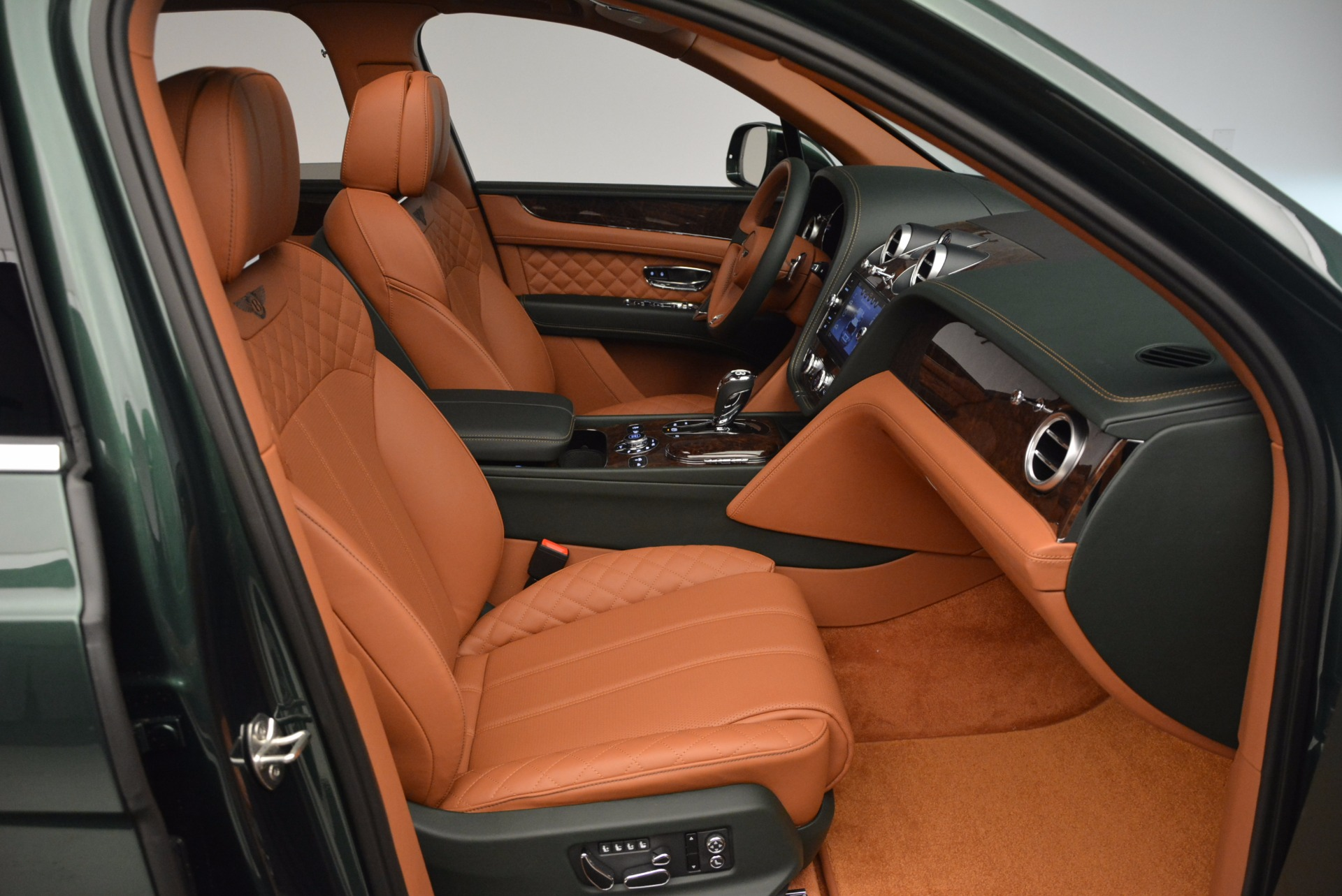 New 2017 Bentley Bentayga  For Sale In Greenwich, CT 796_p41