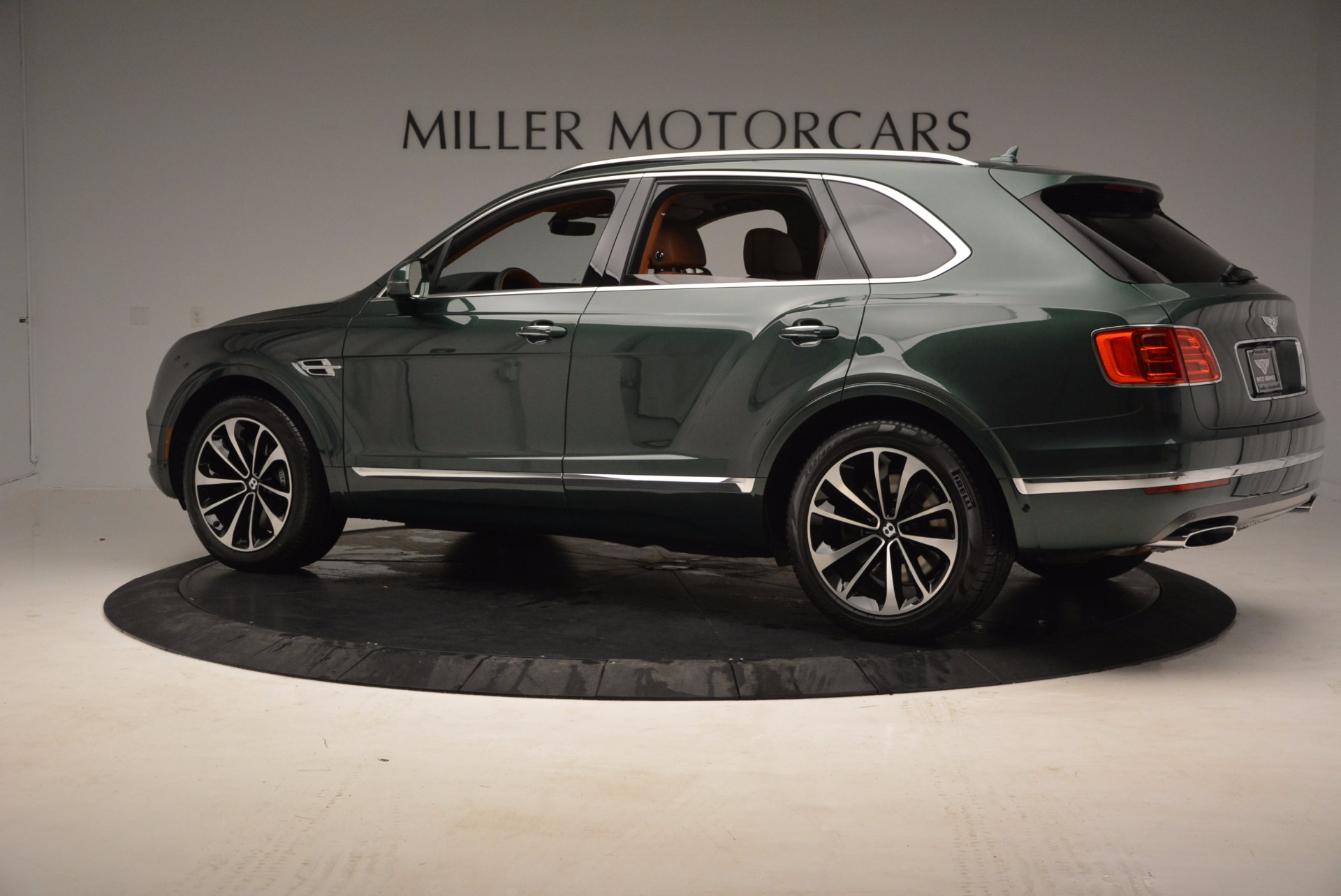 New 2017 Bentley Bentayga  For Sale In Greenwich, CT 796_p4