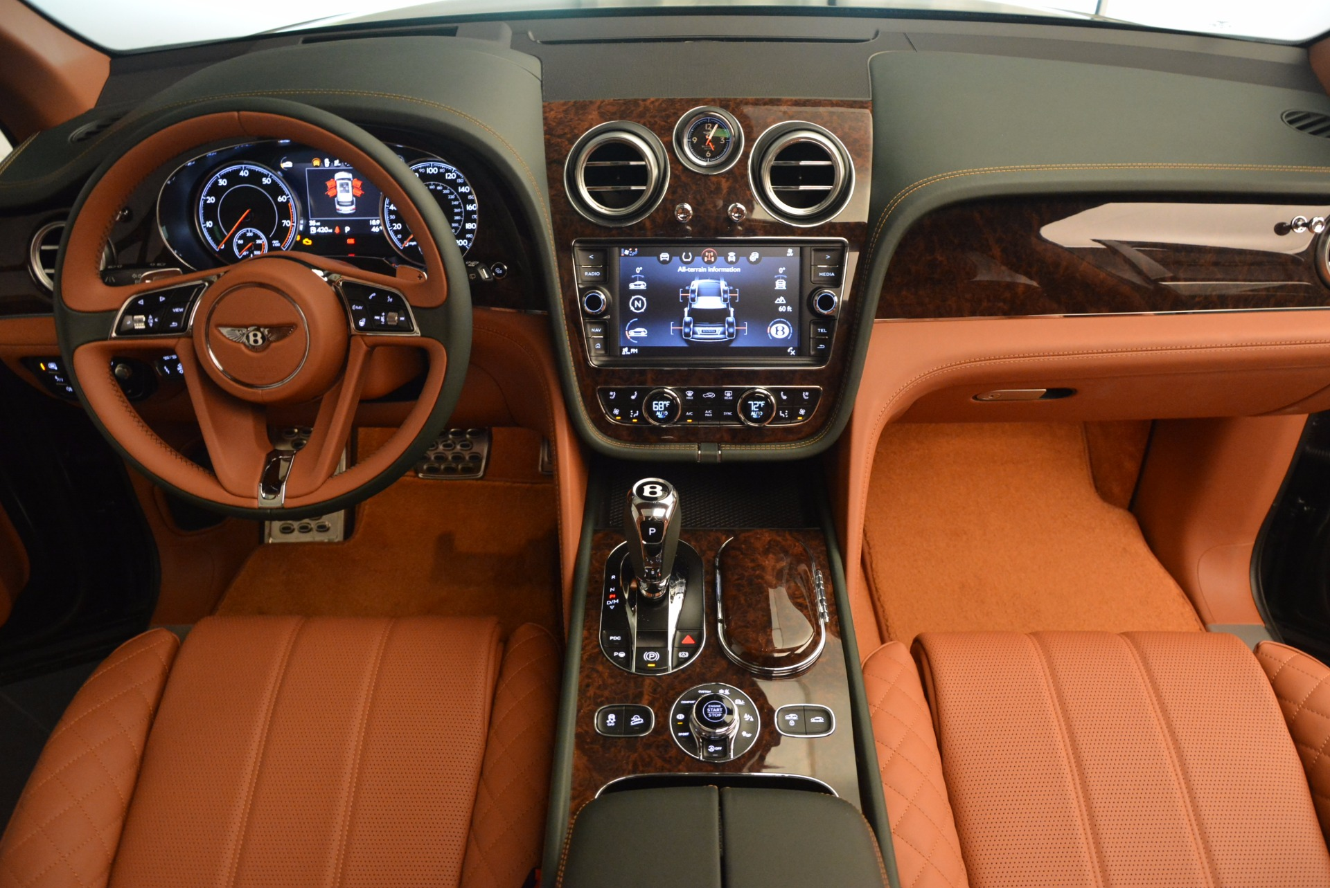New 2017 Bentley Bentayga  For Sale In Greenwich, CT 796_p50