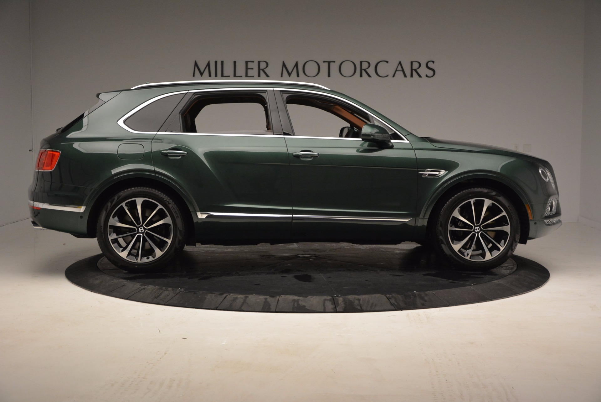 New 2017 Bentley Bentayga  For Sale In Greenwich, CT 796_p9