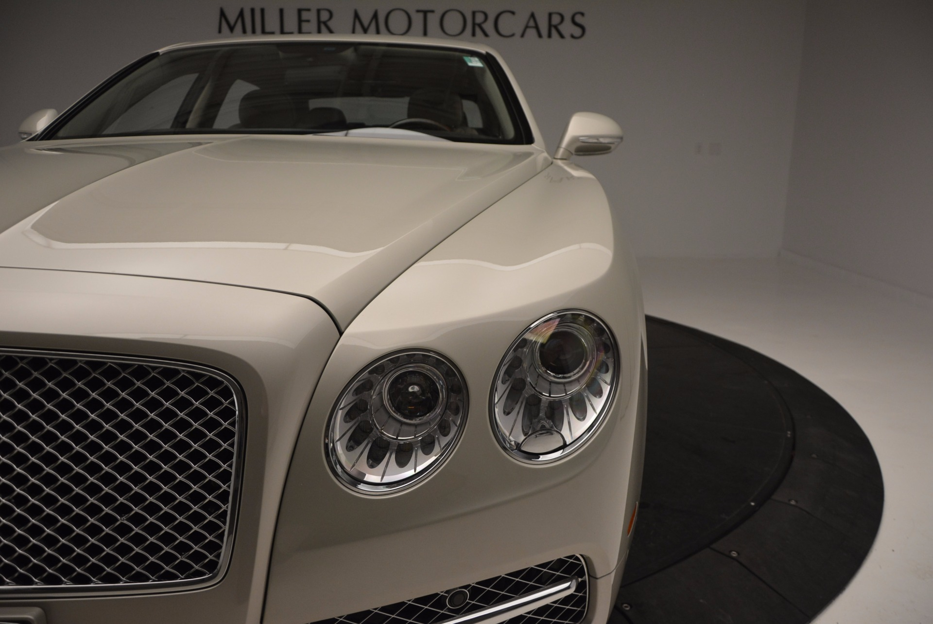 Used 2016 Bentley Flying Spur W12  For Sale In Greenwich, CT 804_p19