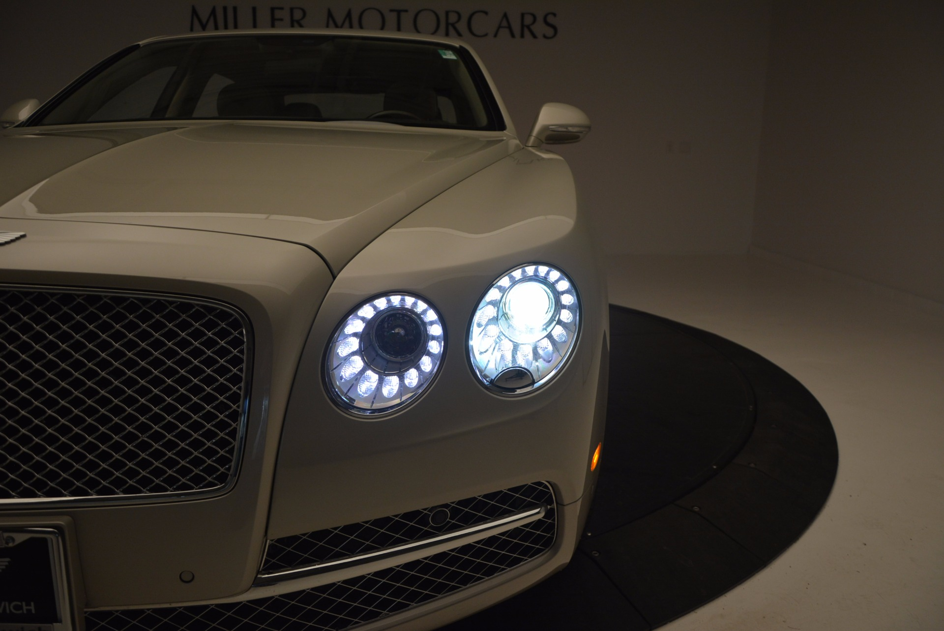 Used 2016 Bentley Flying Spur W12  For Sale In Greenwich, CT 804_p25