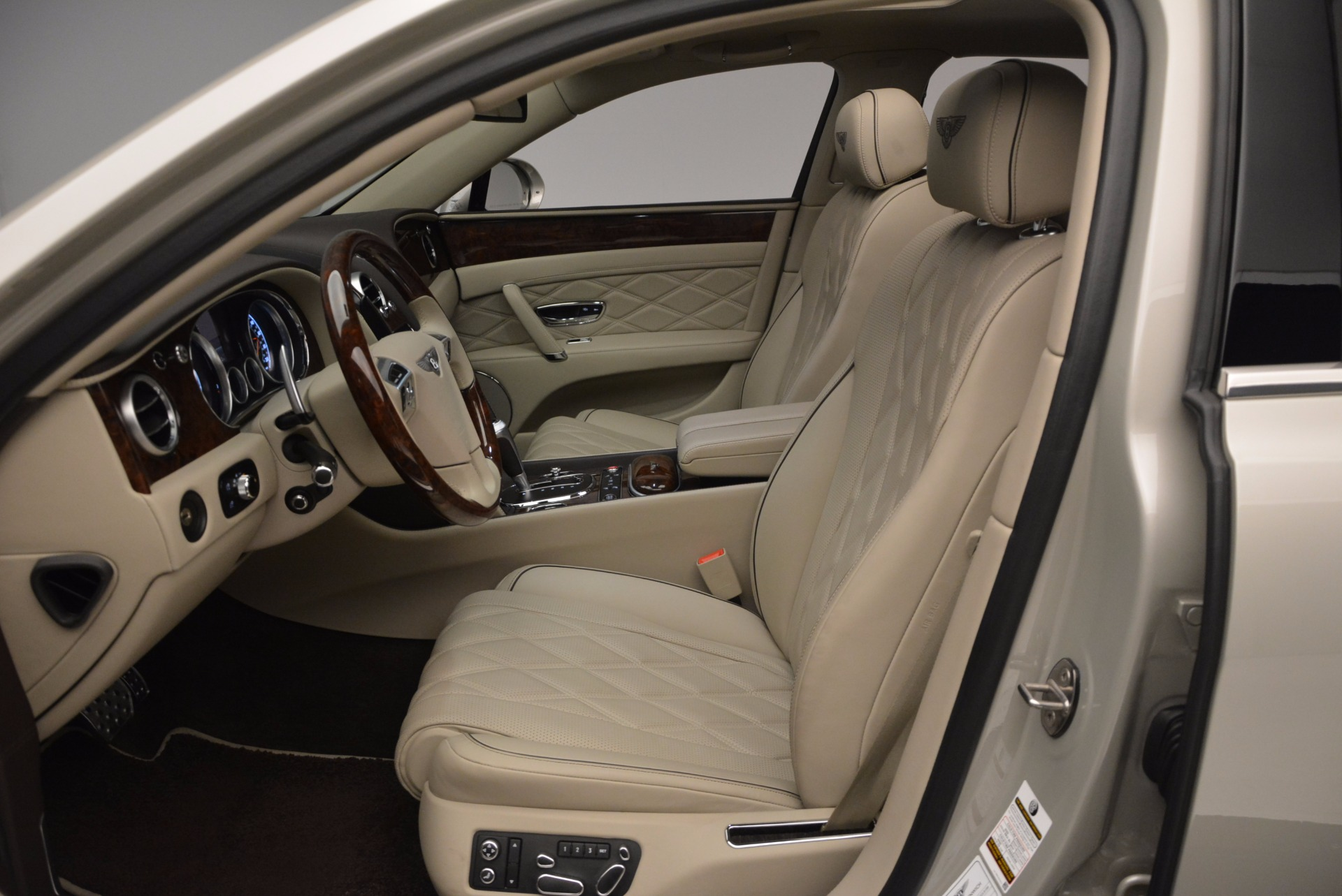 Used 2016 Bentley Flying Spur W12  For Sale In Greenwich, CT 804_p30