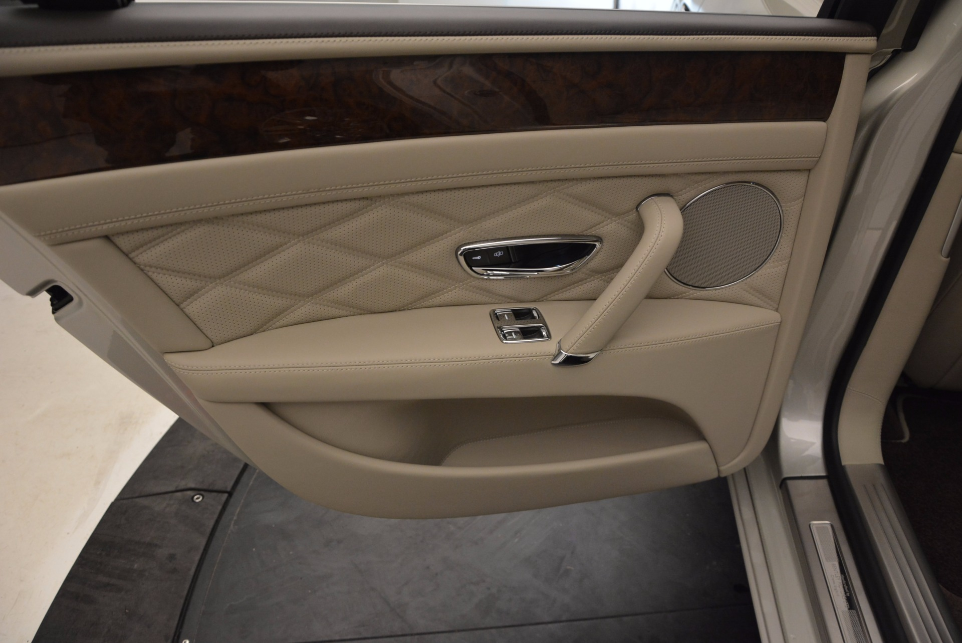Used 2016 Bentley Flying Spur W12  For Sale In Greenwich, CT 804_p34