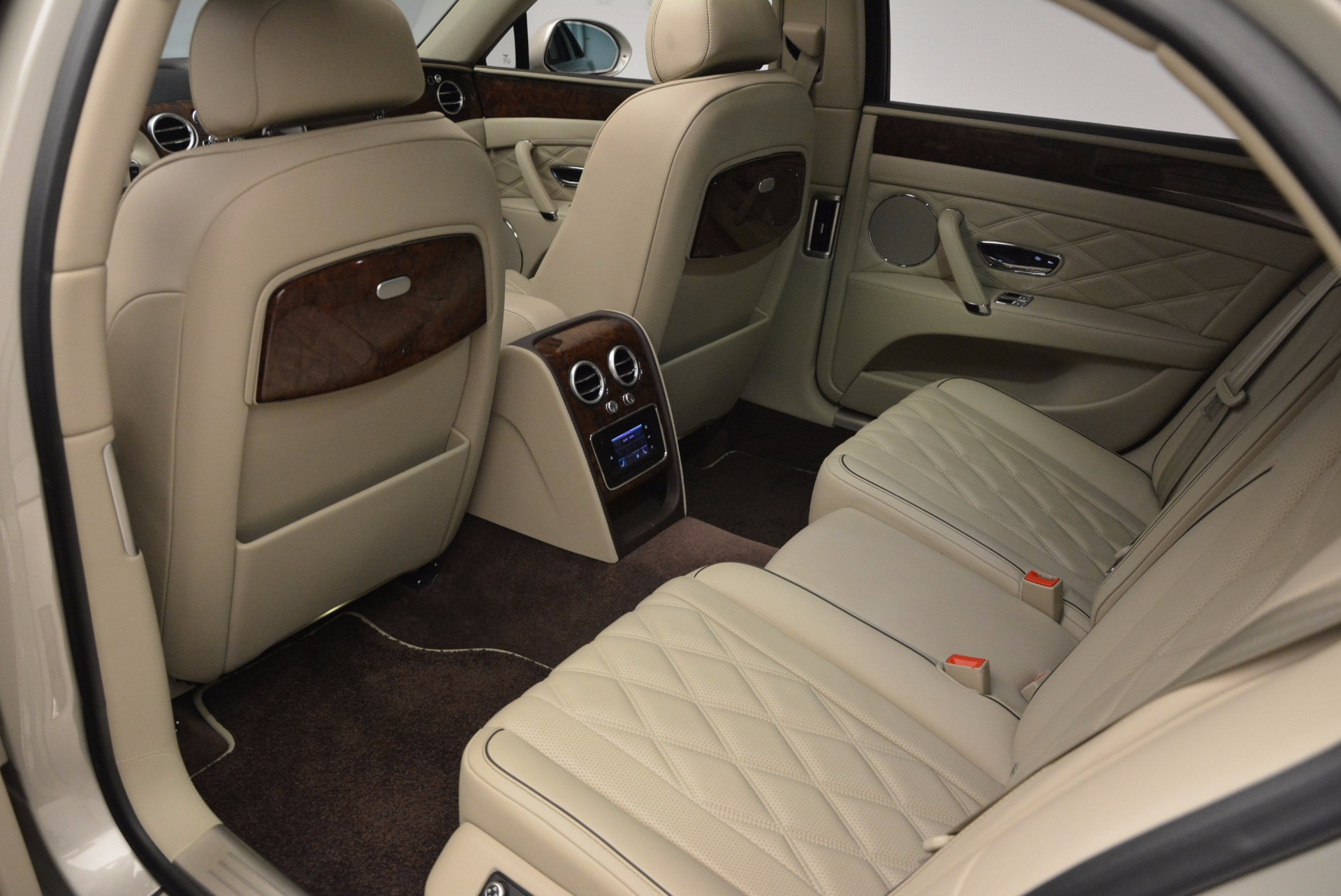 Used 2016 Bentley Flying Spur W12  For Sale In Greenwich, CT 804_p37