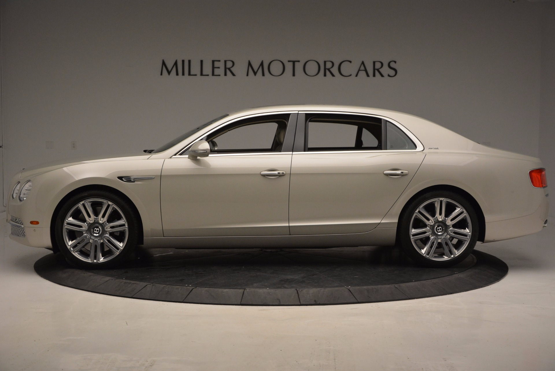 Used 2016 Bentley Flying Spur W12  For Sale In Greenwich, CT 804_p3