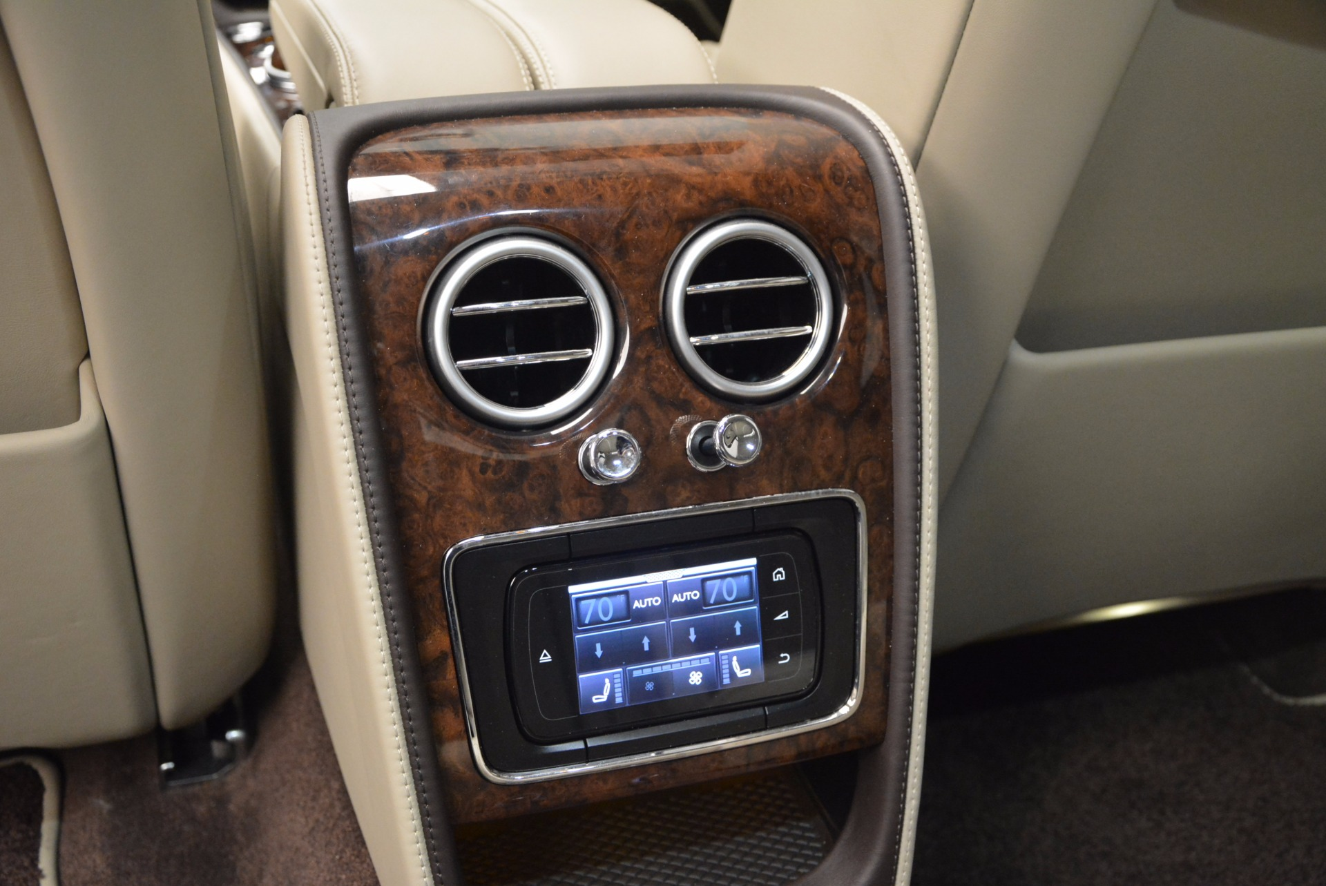 Used 2016 Bentley Flying Spur W12  For Sale In Greenwich, CT 804_p40