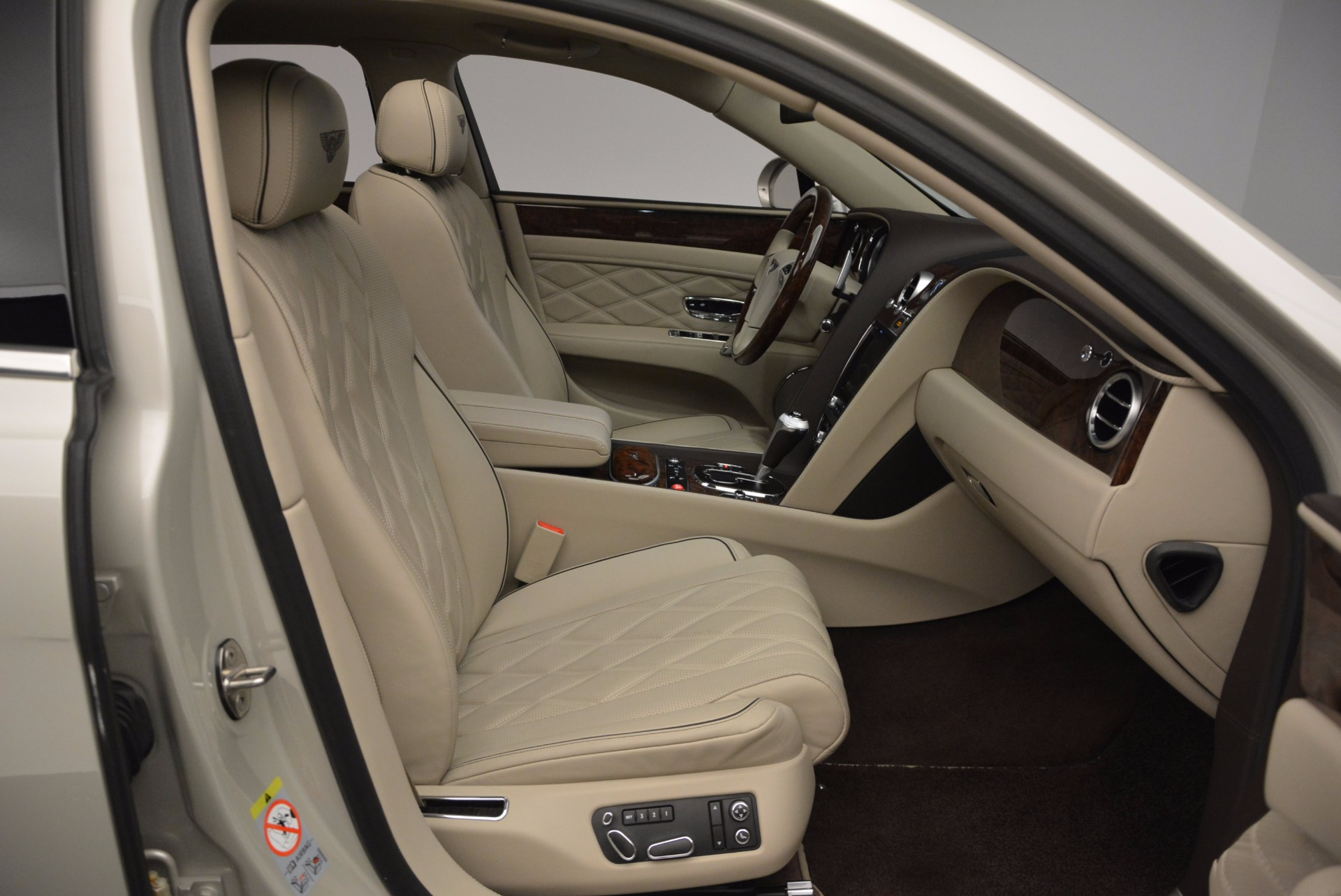 Used 2016 Bentley Flying Spur W12  For Sale In Greenwich, CT 804_p46