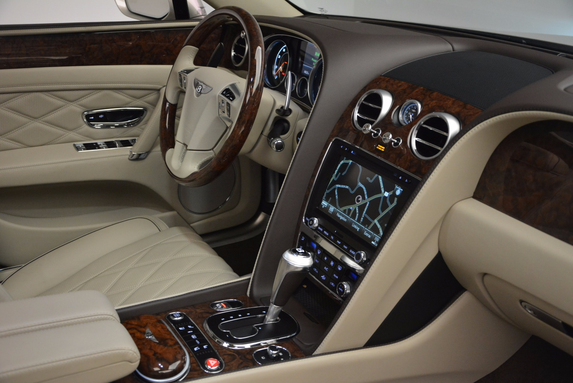Used 2016 Bentley Flying Spur W12  For Sale In Greenwich, CT 804_p48