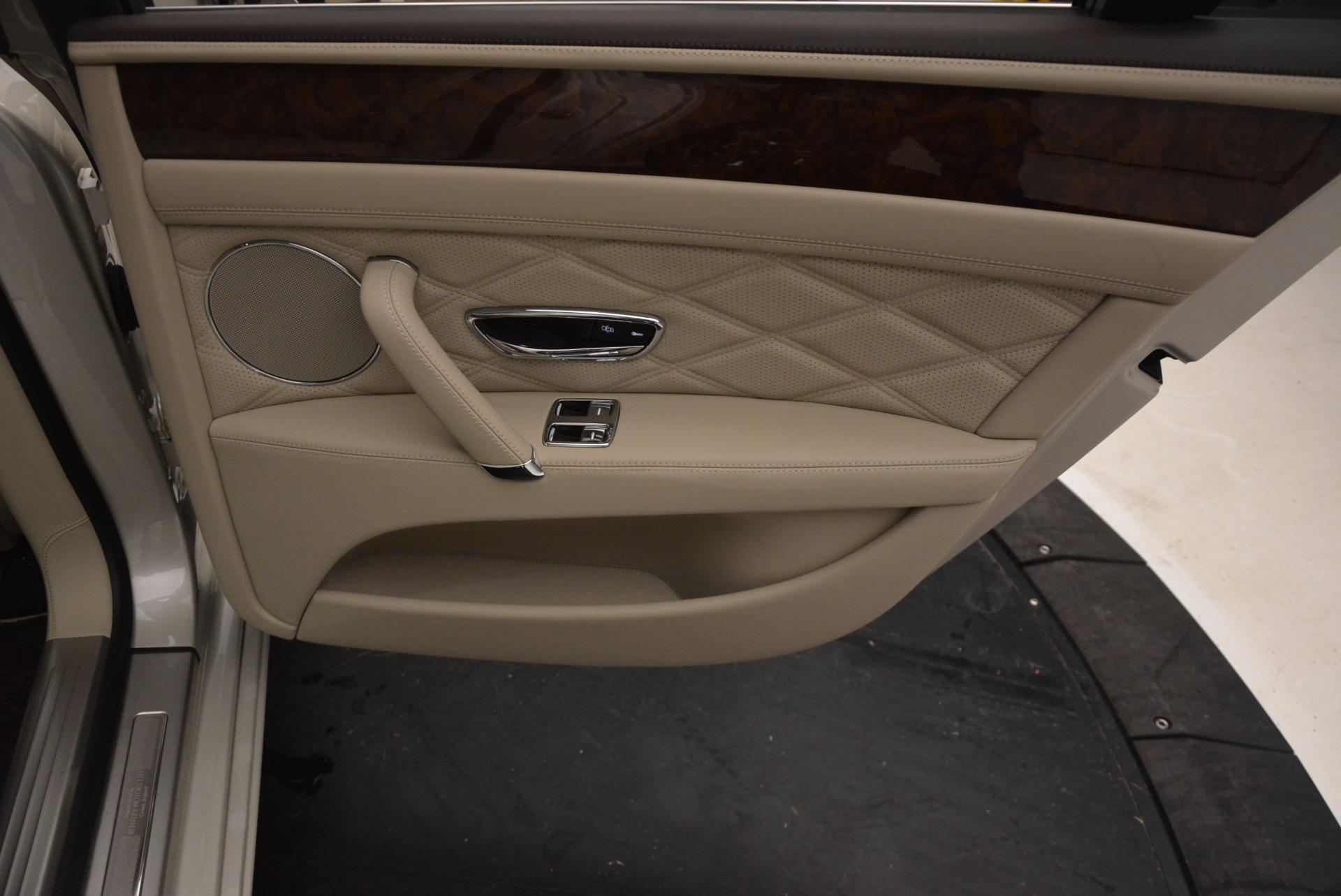 Used 2016 Bentley Flying Spur W12  For Sale In Greenwich, CT 804_p49