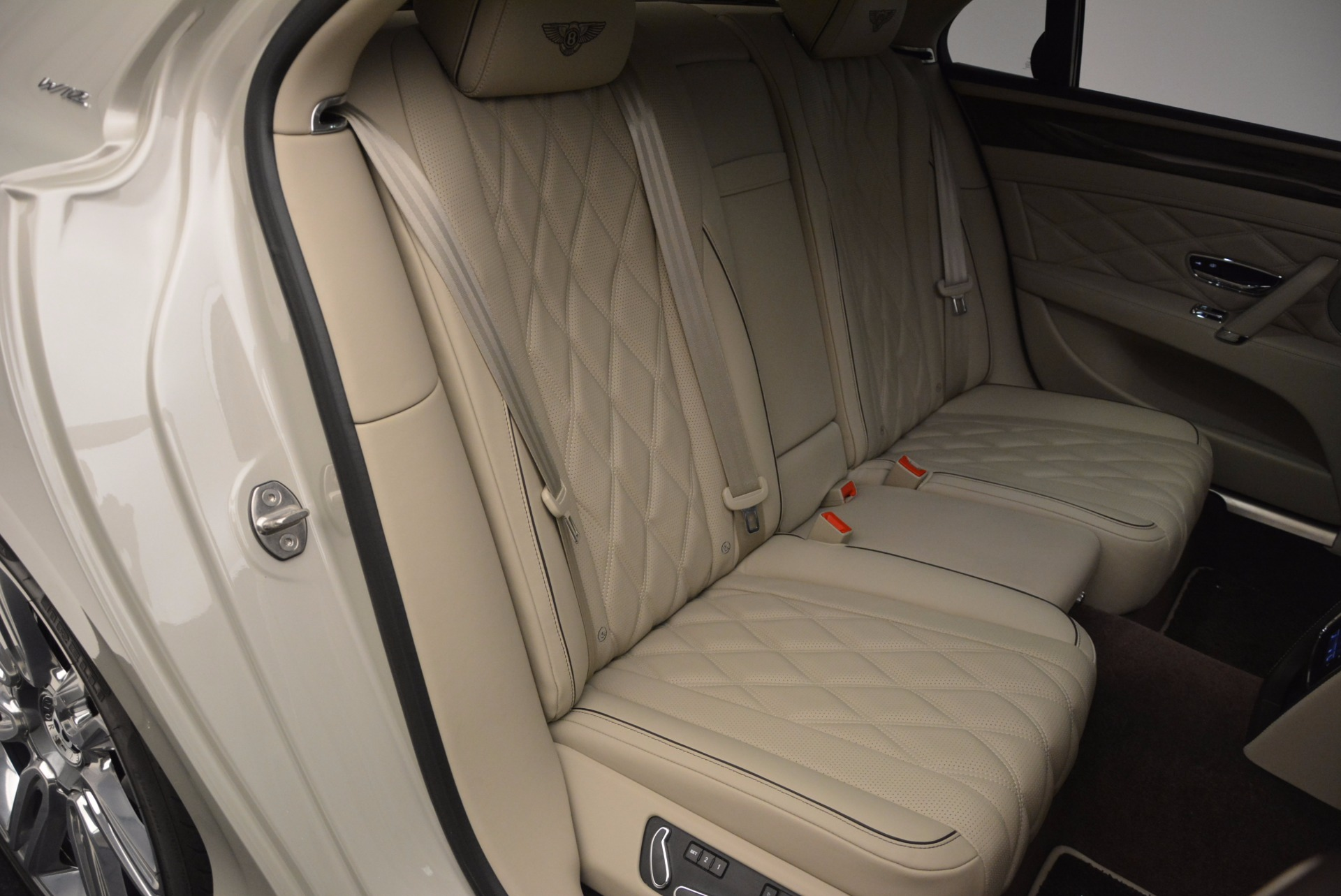 Used 2016 Bentley Flying Spur W12  For Sale In Greenwich, CT 804_p50
