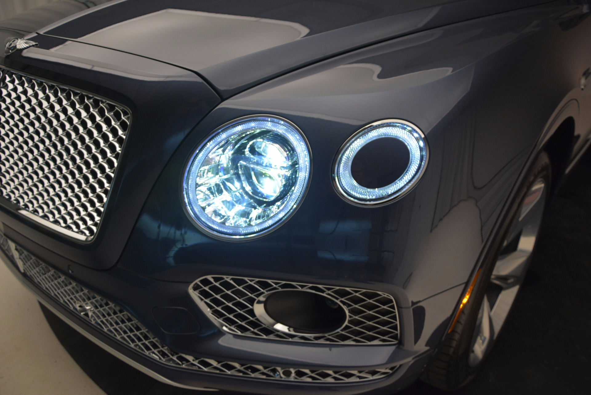 New 2017 Bentley Bentayga  For Sale In Greenwich, CT 810_p17