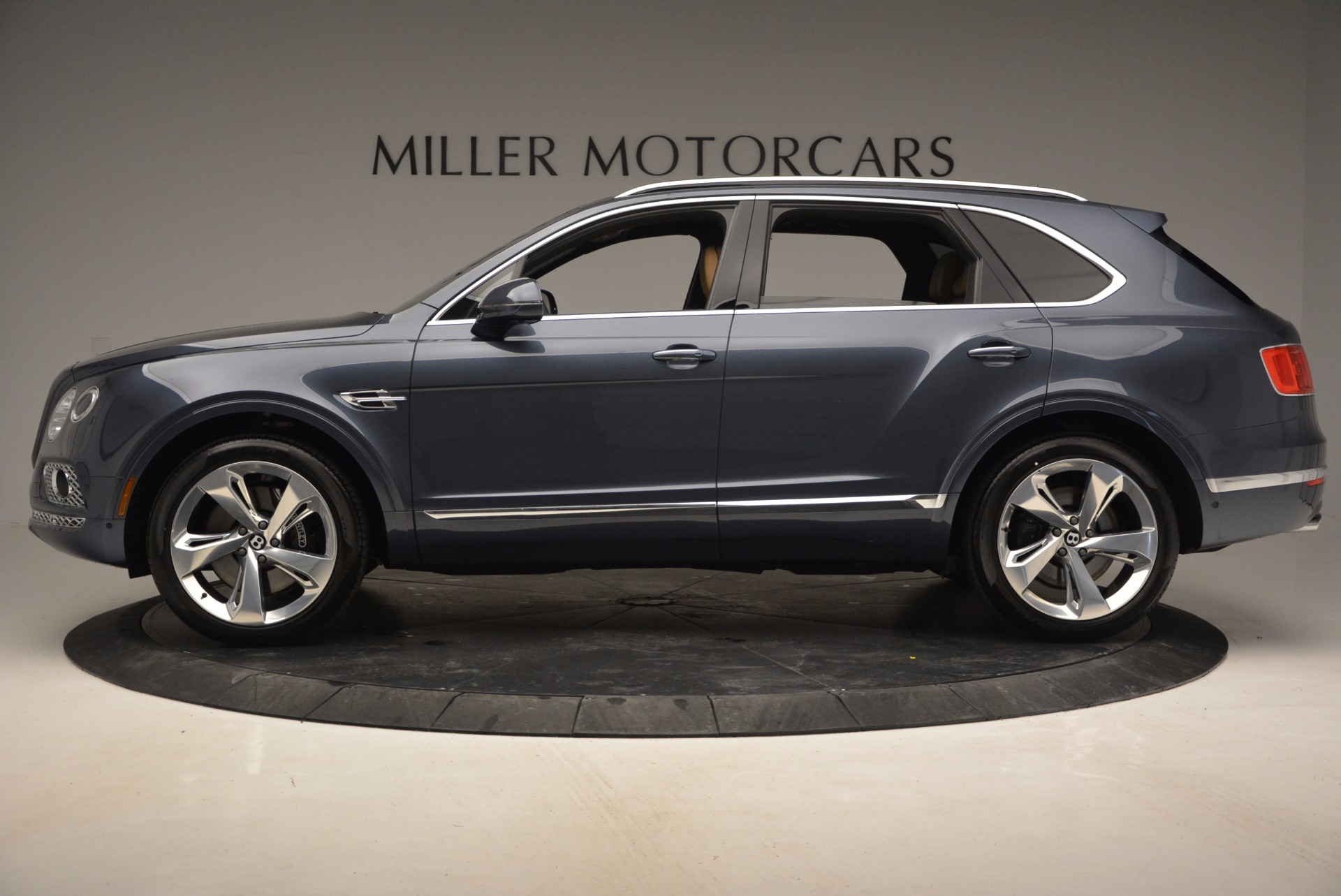 New 2017 Bentley Bentayga  For Sale In Greenwich, CT 810_p3