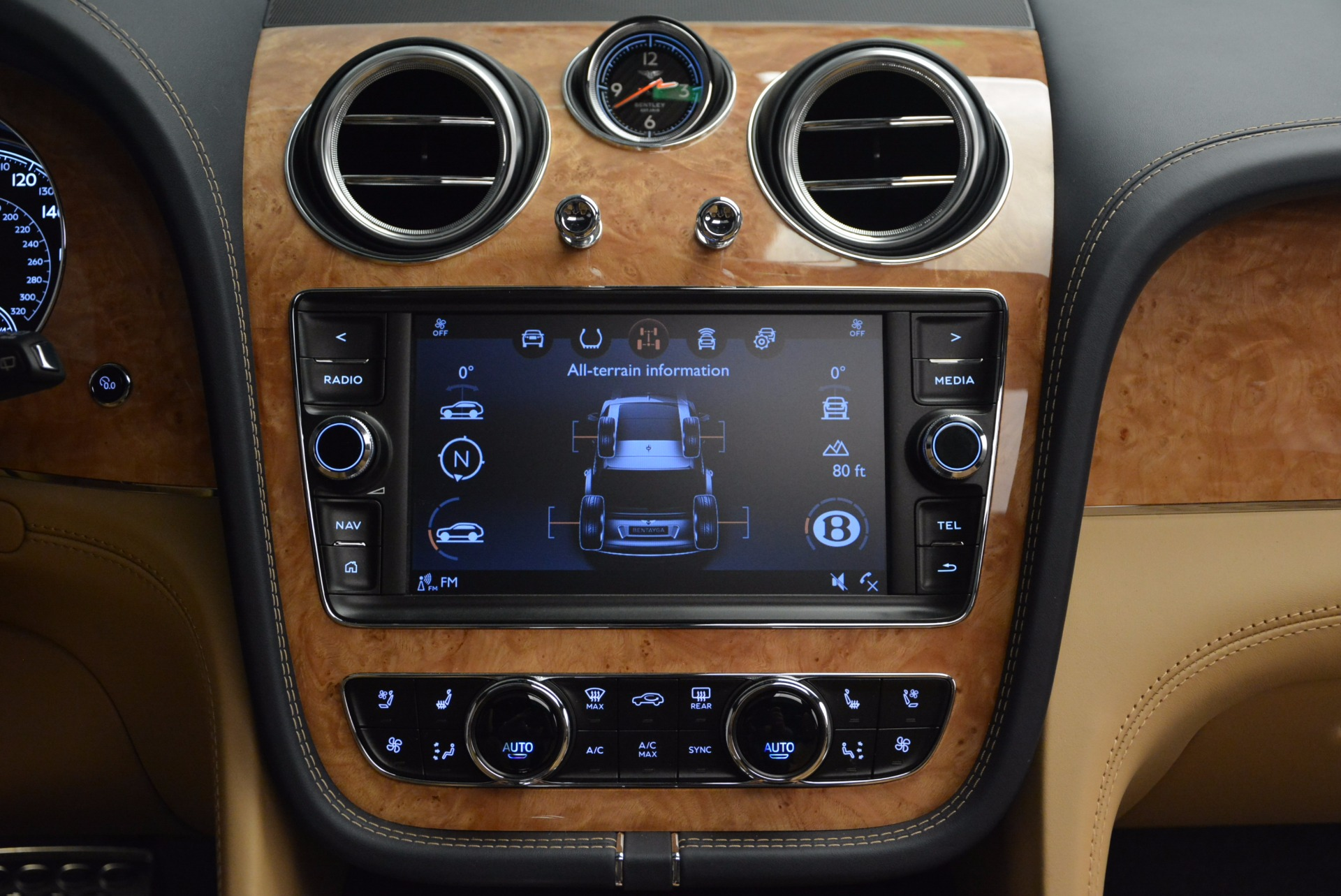 New 2017 Bentley Bentayga  For Sale In Greenwich, CT 810_p44