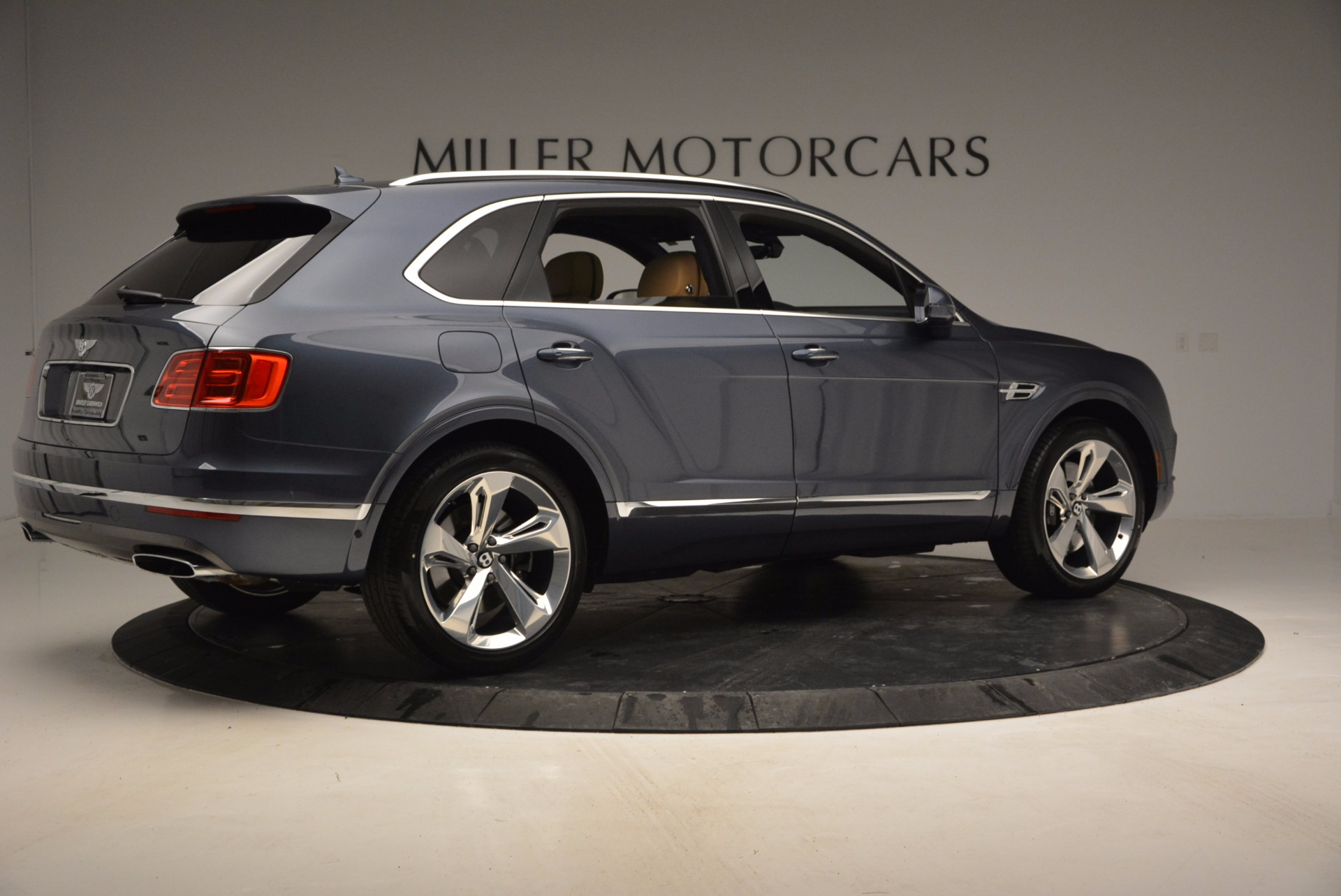 New 2017 Bentley Bentayga  For Sale In Greenwich, CT 810_p8