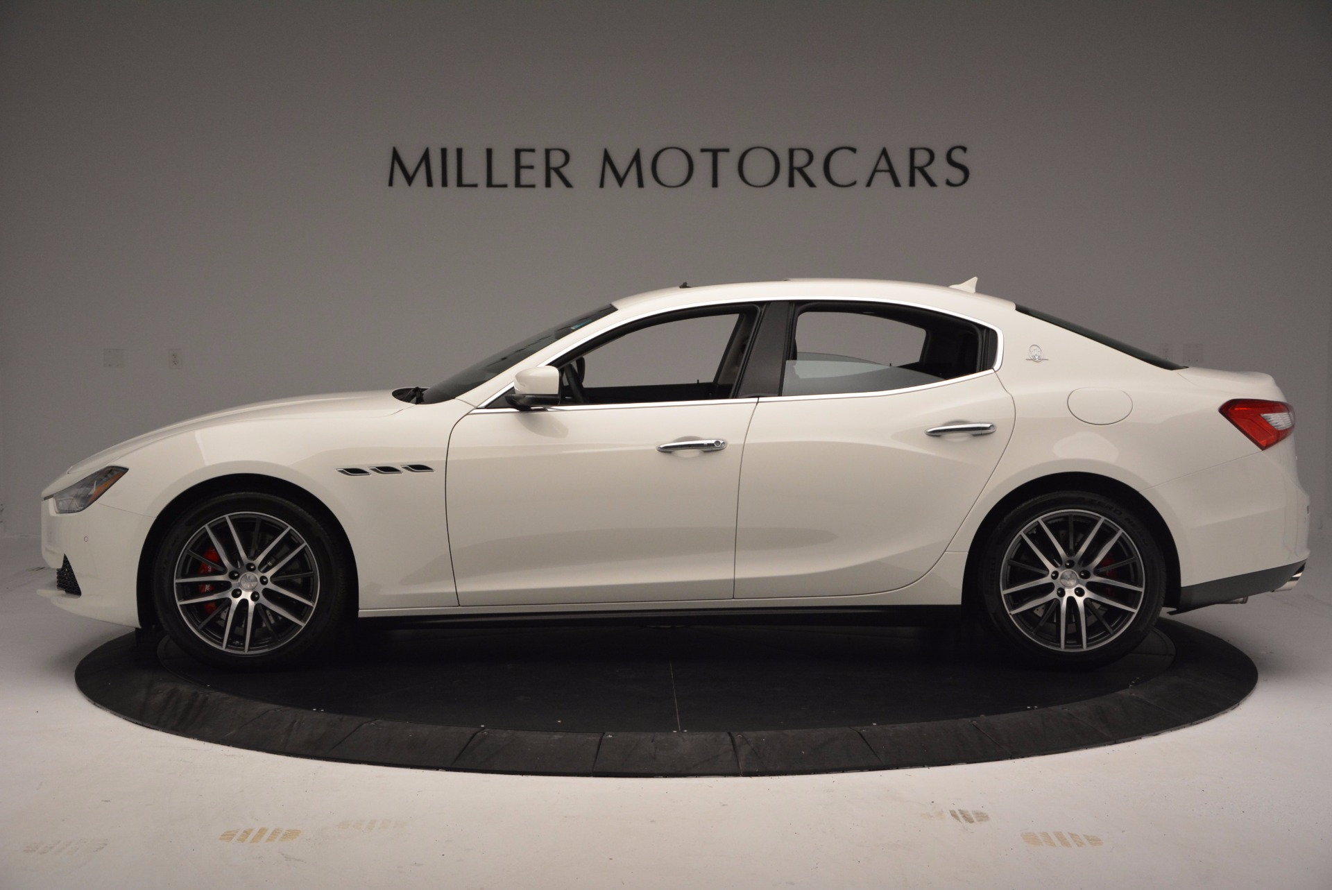 Used 2017 Maserati Ghibli S Q4 For Sale In Greenwich, CT 813_p4
