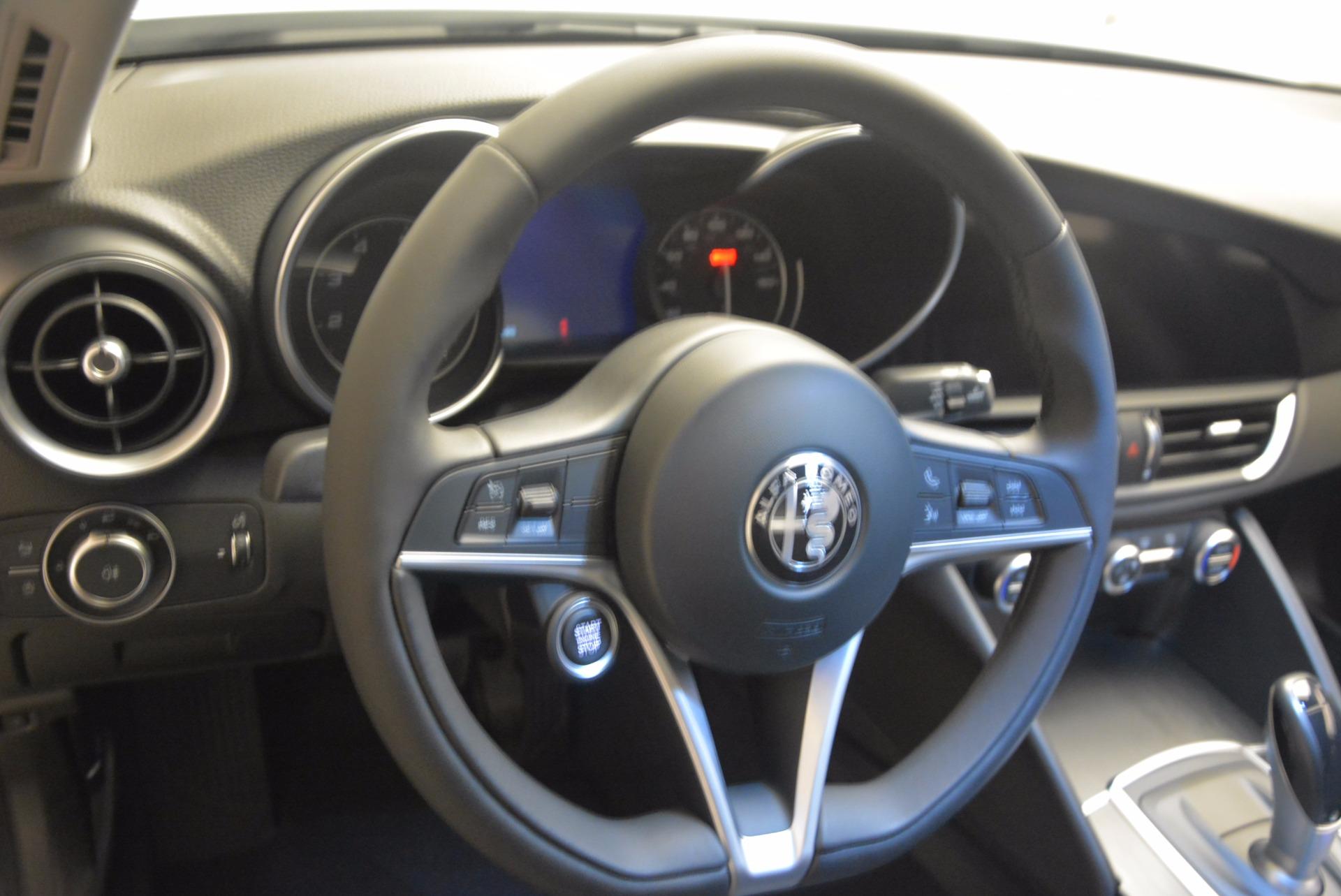 New 2017 Alfa Romeo Giulia Q4 For Sale In Greenwich, CT 831_p28