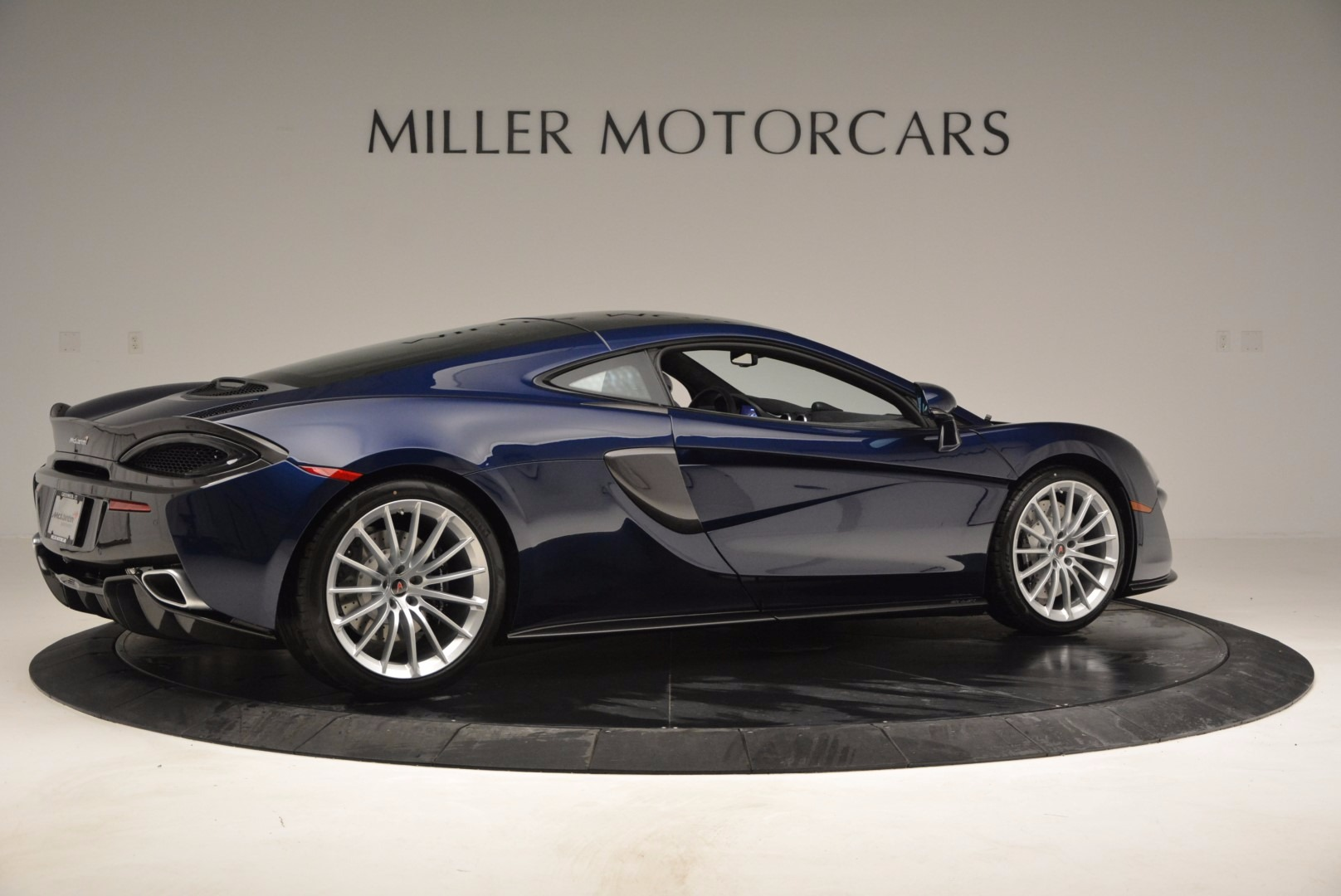 New 2017 McLaren 570GT  For Sale In Greenwich, CT 832_p8