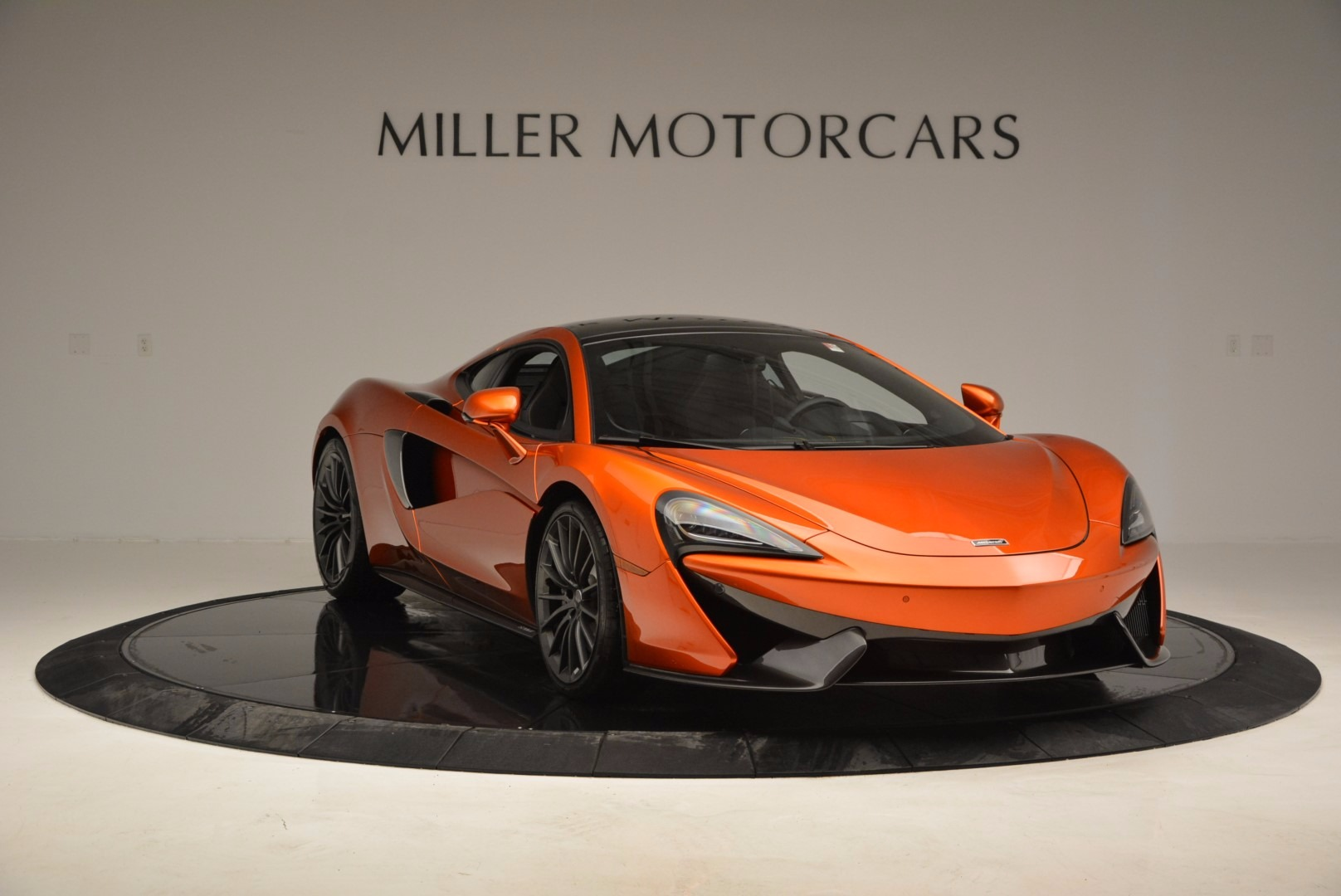 New 2017 McLaren 570GT  For Sale In Greenwich, CT 833_p11