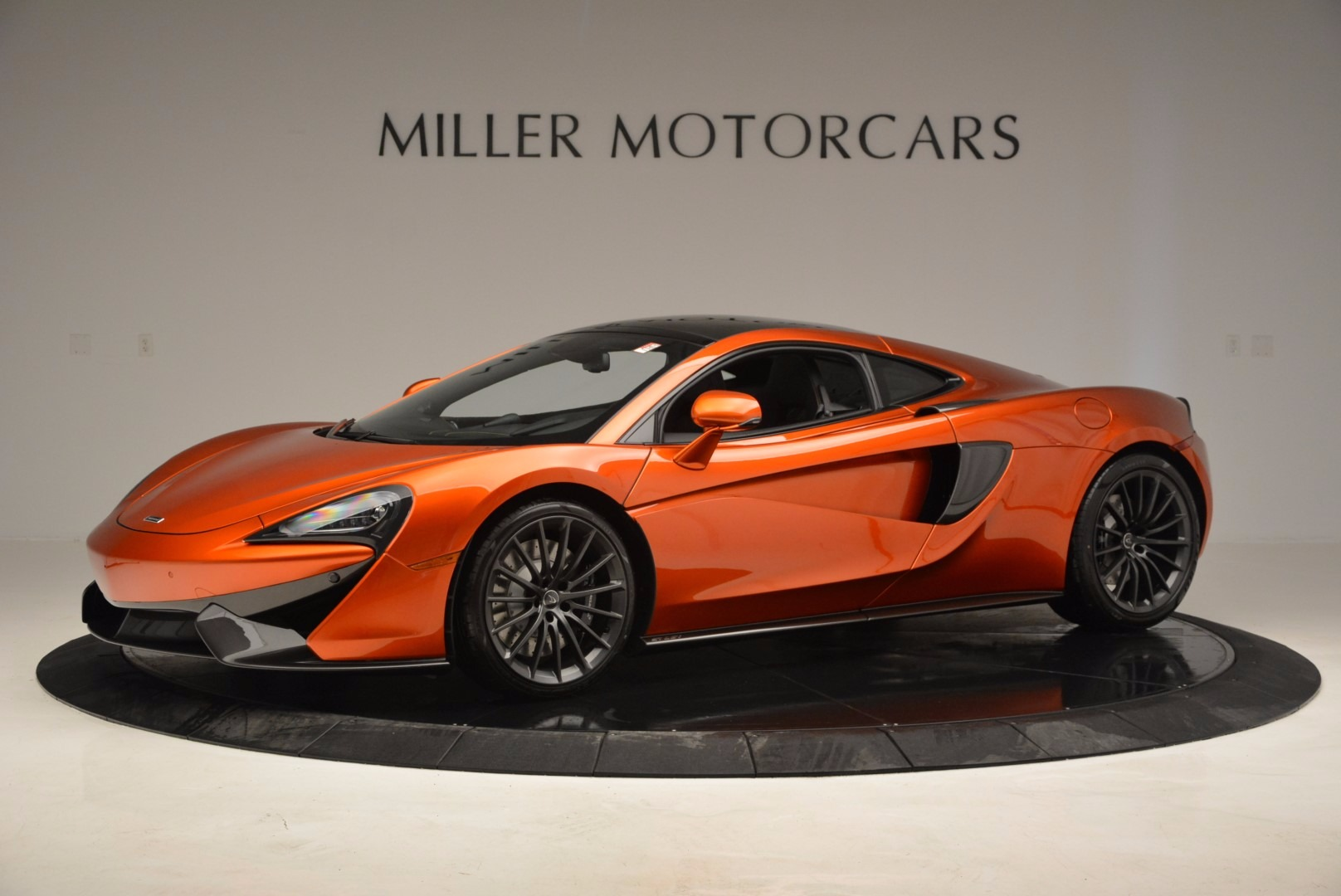 New 2017 McLaren 570GT  For Sale In Greenwich, CT 833_p2