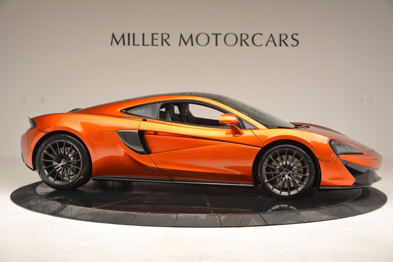 New 2017 McLaren 570GT  For Sale In Greenwich, CT 833_p9