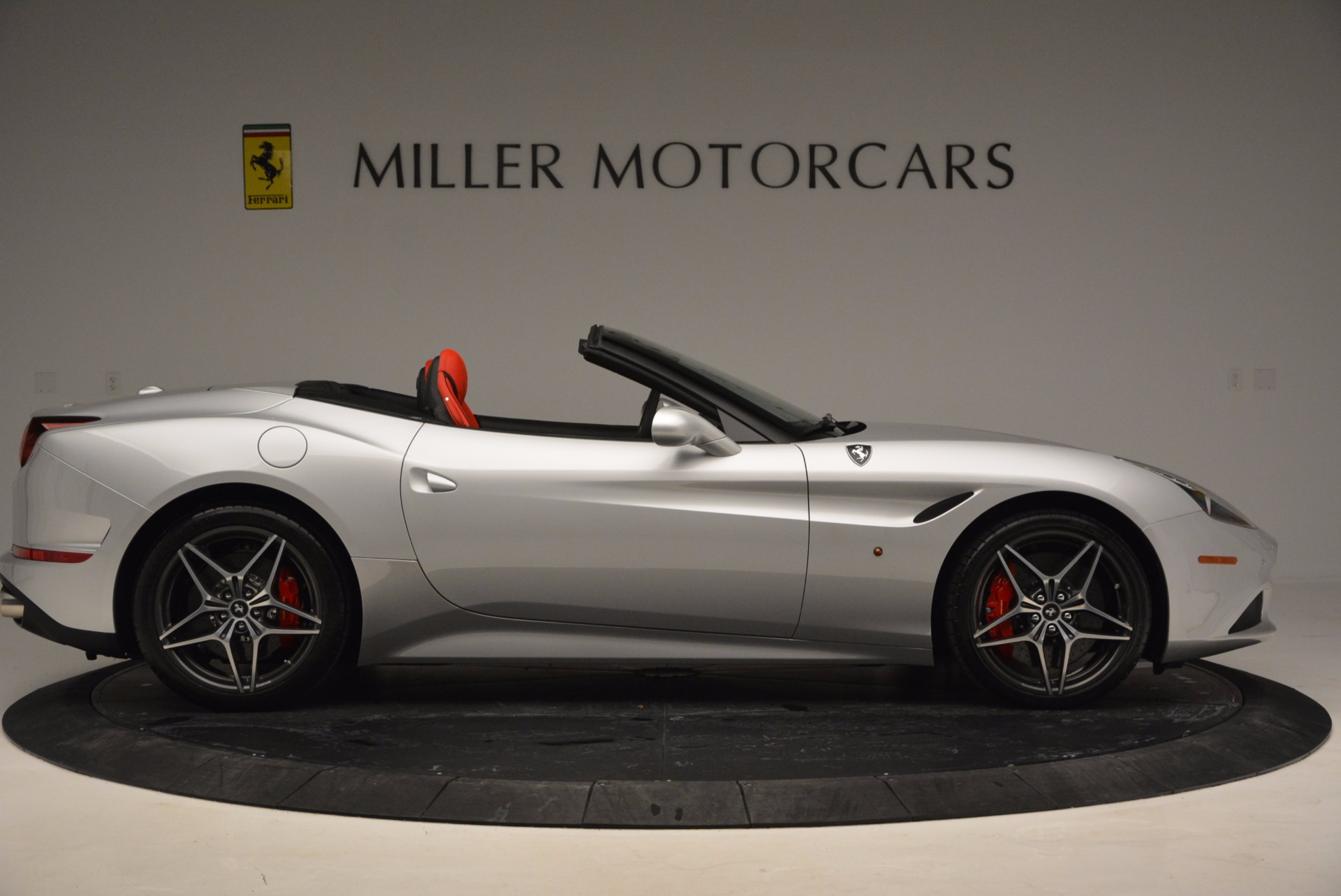 Used 2016 Ferrari California T  For Sale In Greenwich, CT 841_p18