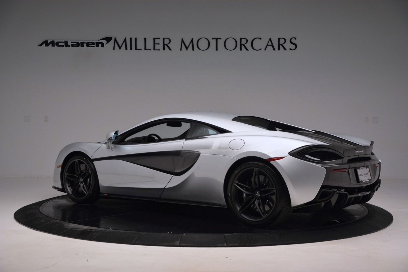 Used 2017 McLaren 570S  For Sale In Greenwich, CT 842_p4